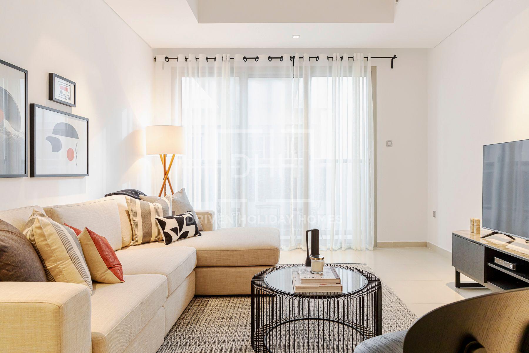 1,215 قدم مربع  شقة - للايجار - أم الشيف
