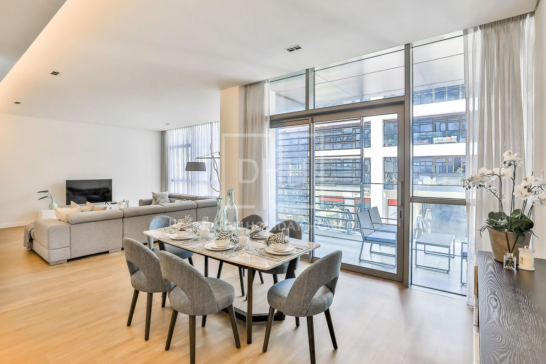 Ideal 2 Beds + Maids Room in City Walk
