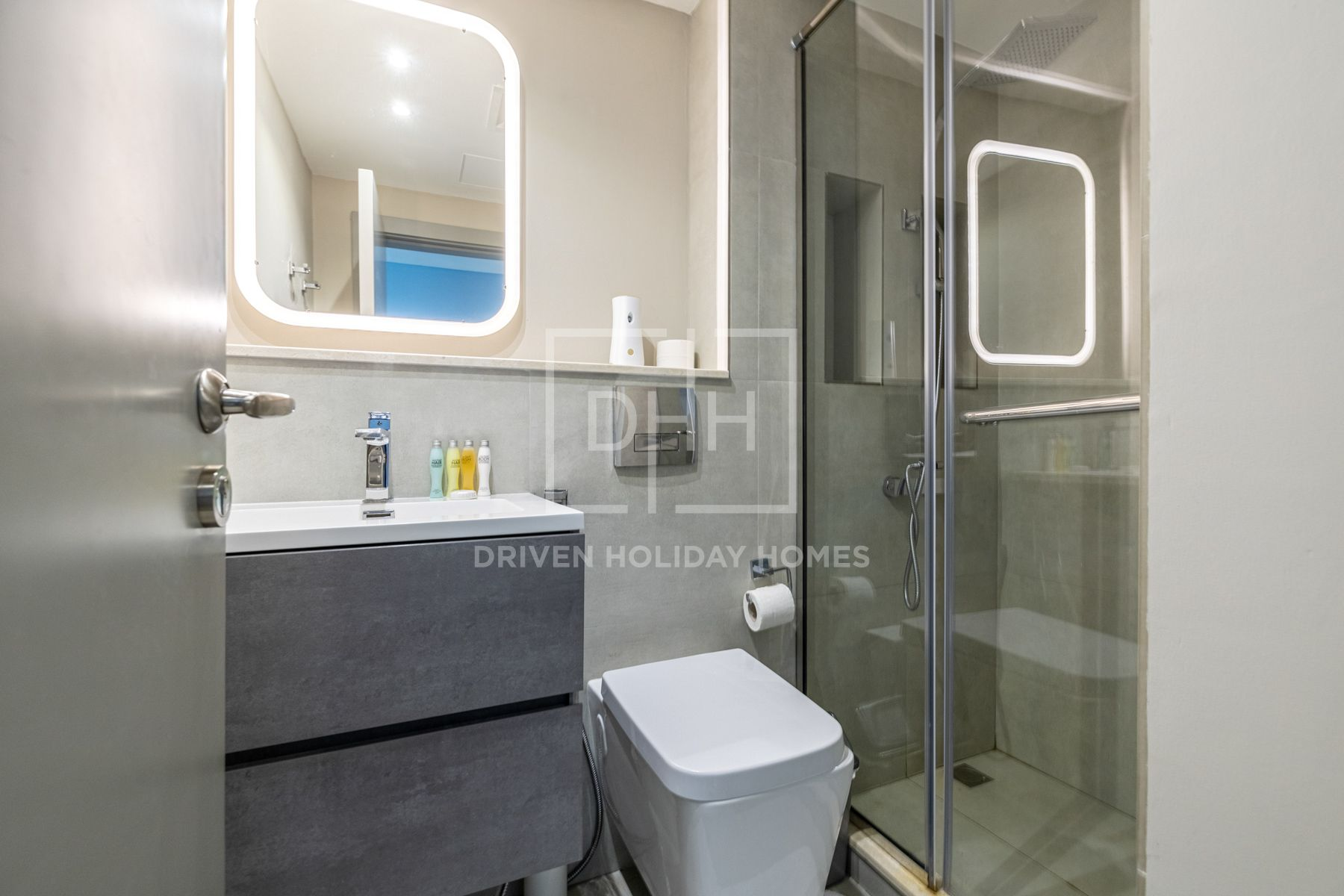 Studio for Rent in Icon Tower 2 - Jumeirah Lake Towers