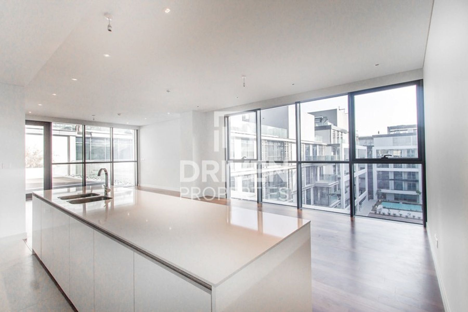 Amazing Bright Large 4 Bed South Facing Duplex