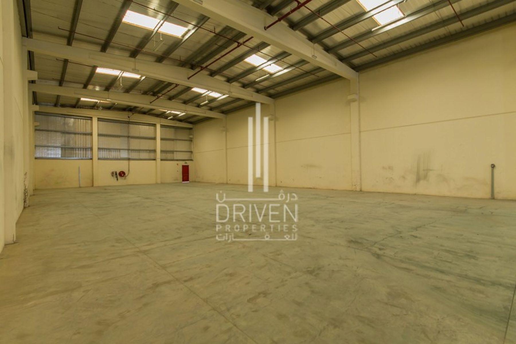 Multiple Warehouse   Dubai Industrial City