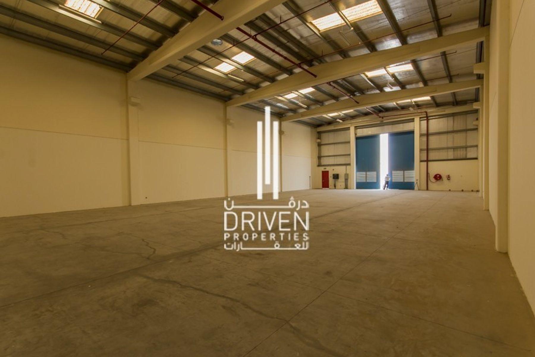 5,167 قدم مربع  مستودع - للايجار - حديقة دبي الصناعية