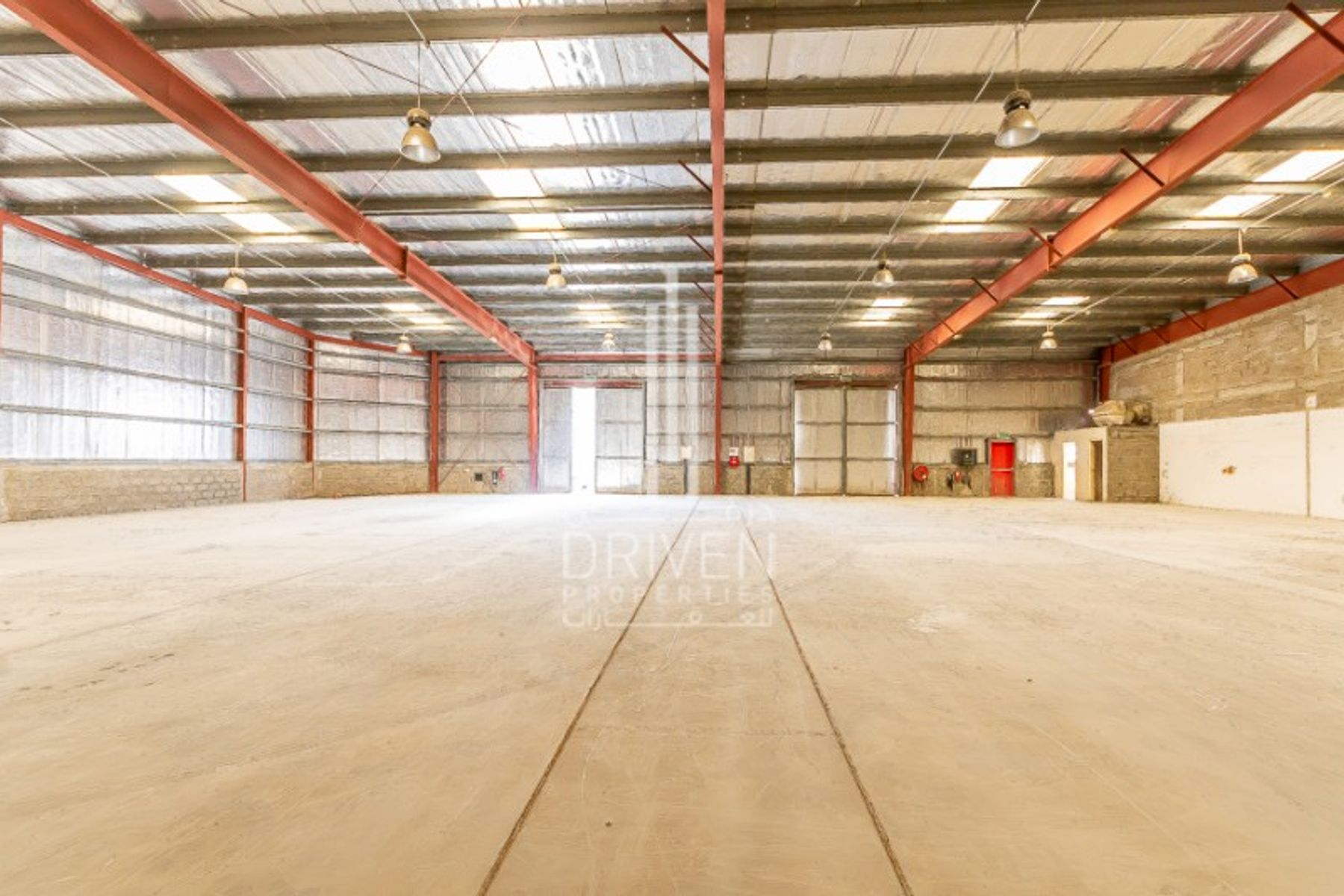 Fitted warehouse in Dubai Investment Park 1