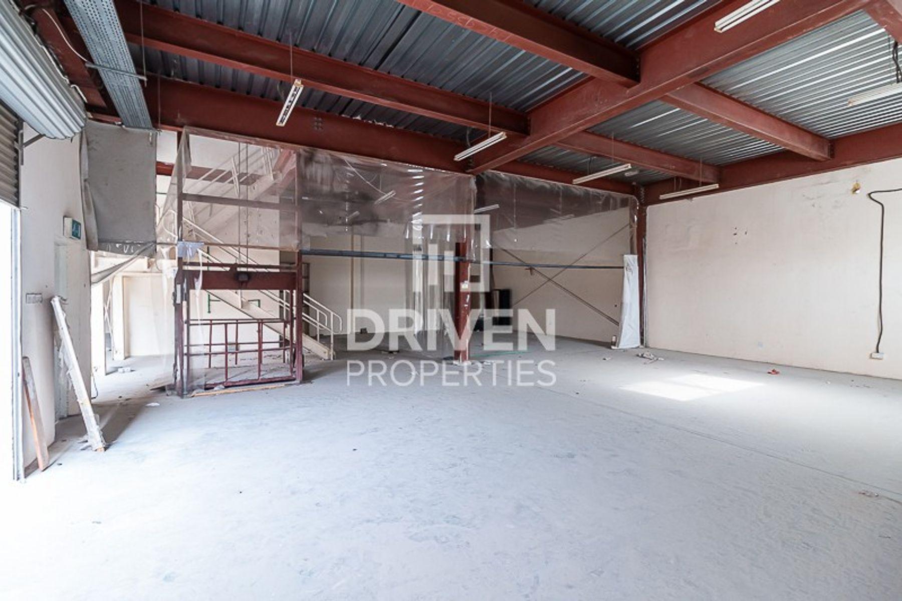 Well-managed Warehouse w/ Mezzanine Floor