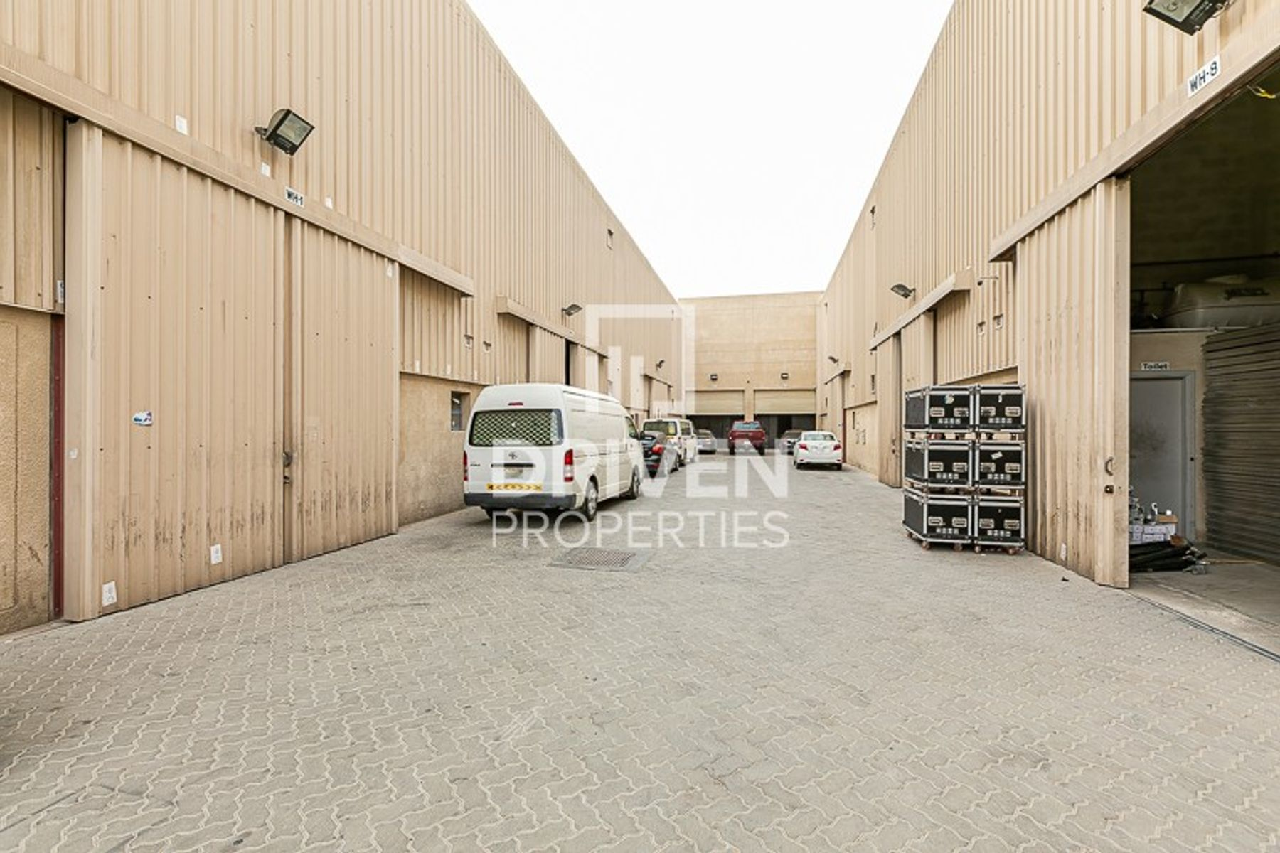 Warehouse light industrial with 60 KW