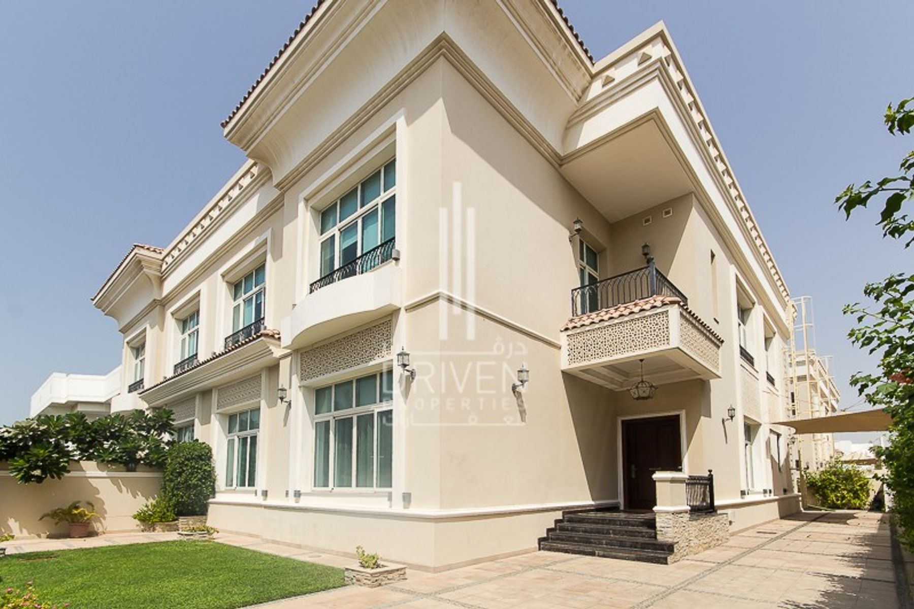 Lovely Two Units |6BR Villa in Jumeirah 3
