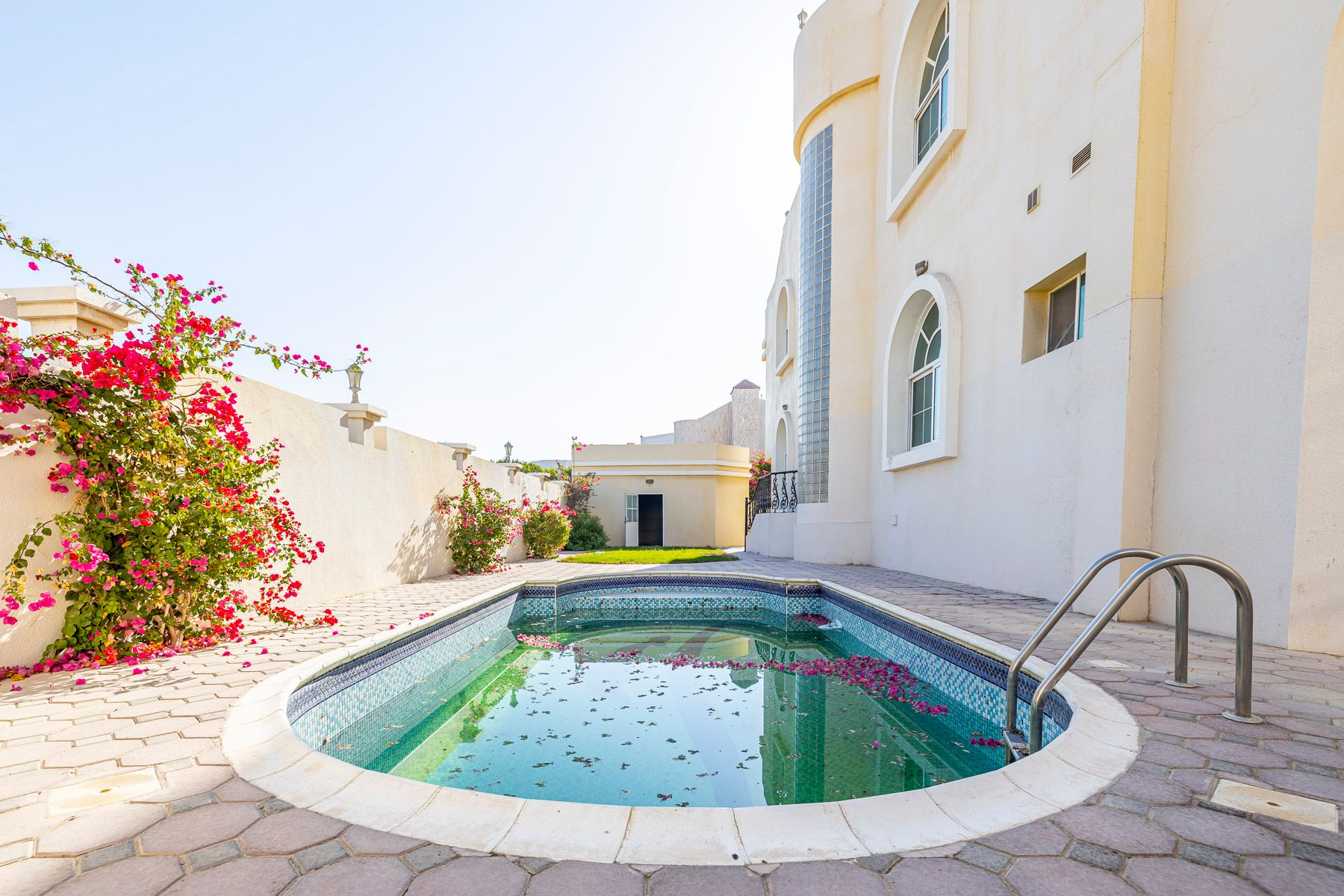 Independent Villa w/ Maids Room and Pool