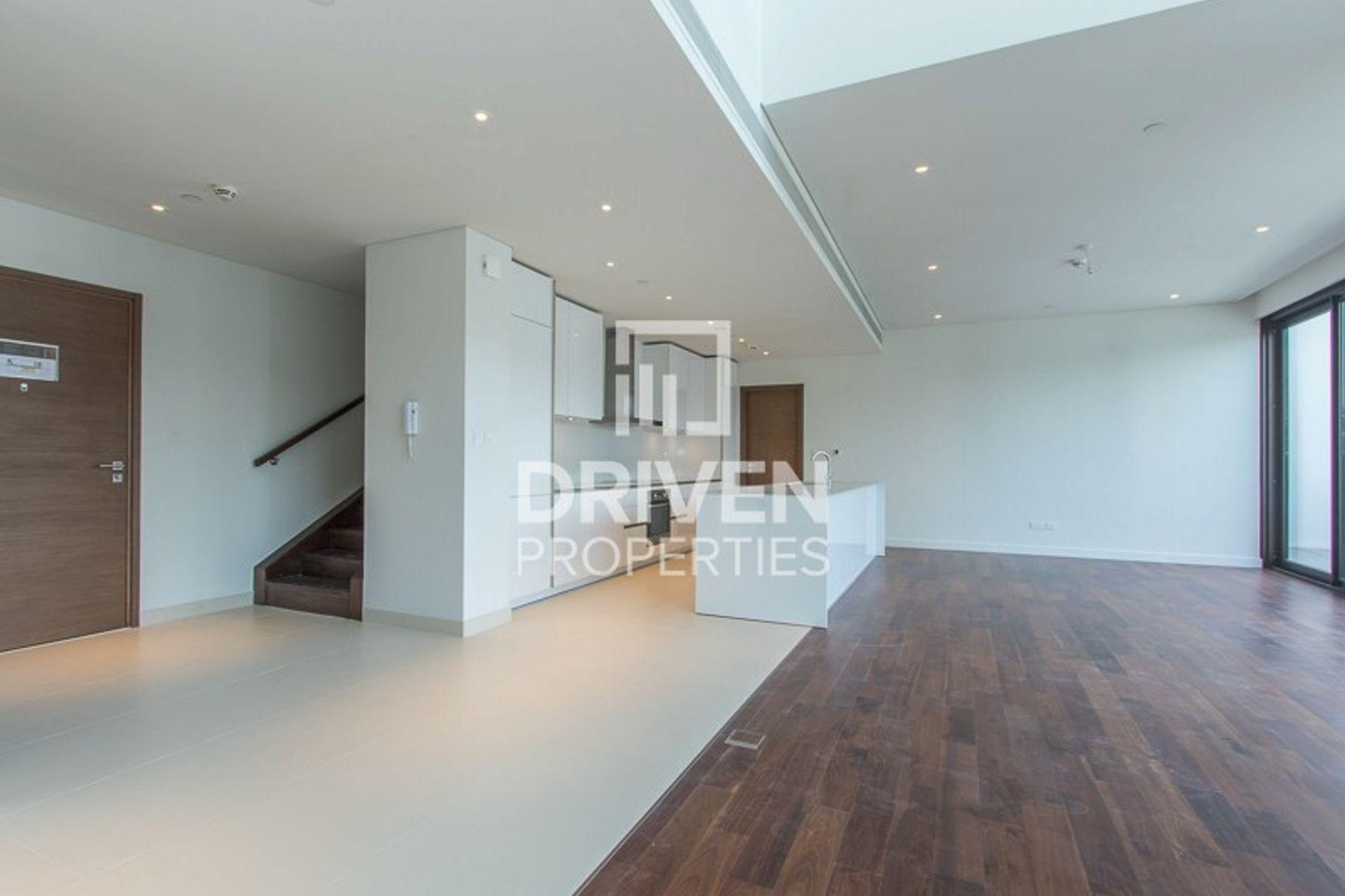 For Sale 4Bedroom Duplex Unit, City Walk