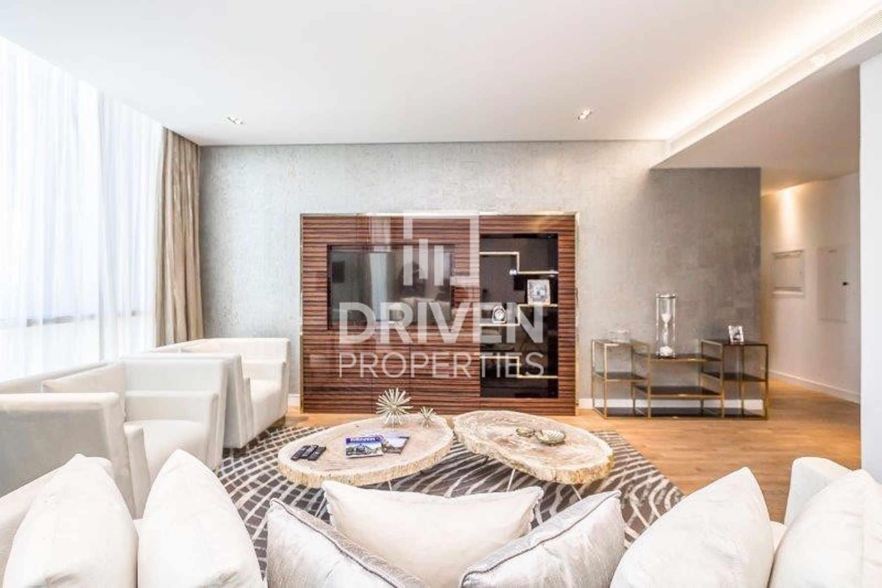Furnished 3 Bedroom with Boulevard Views