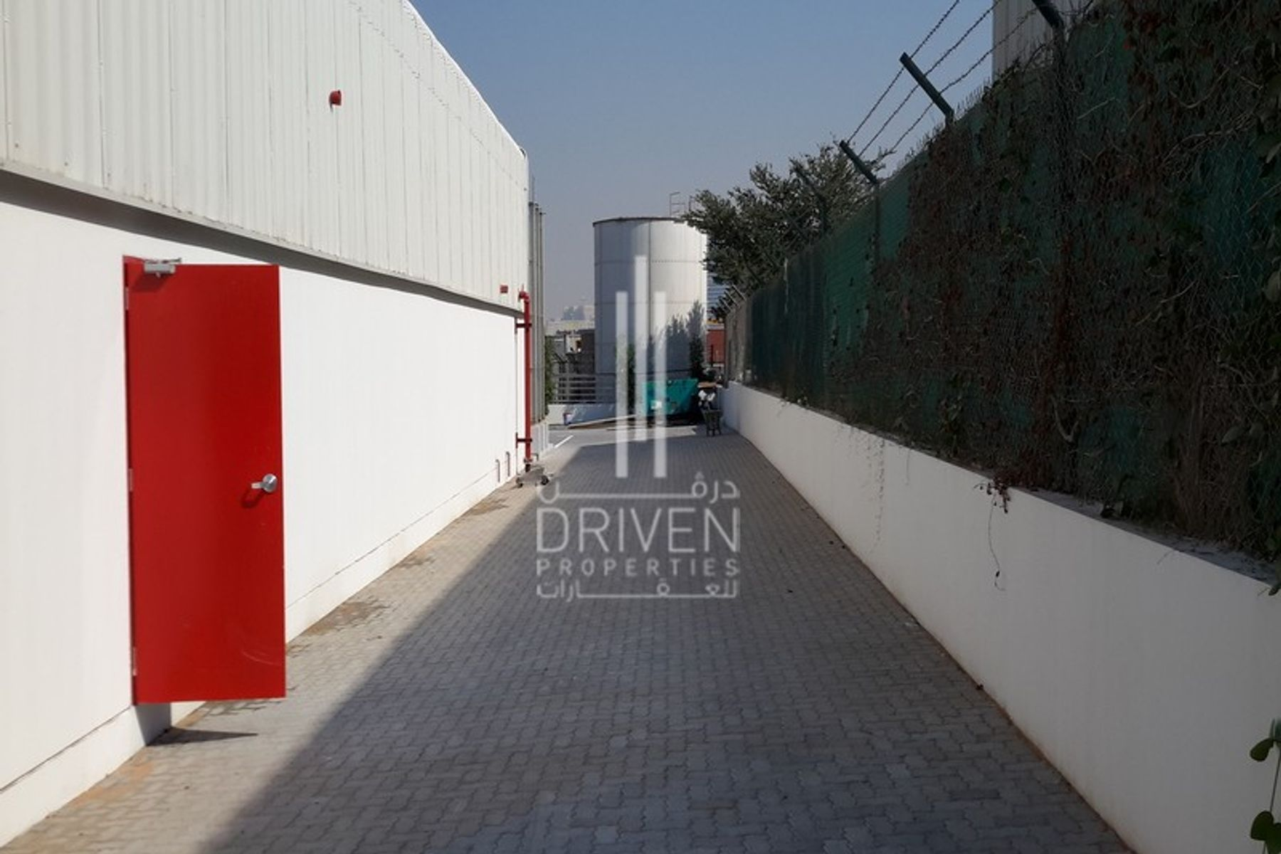 HUGE WAREHOUSE | Prime Location in JAFZA