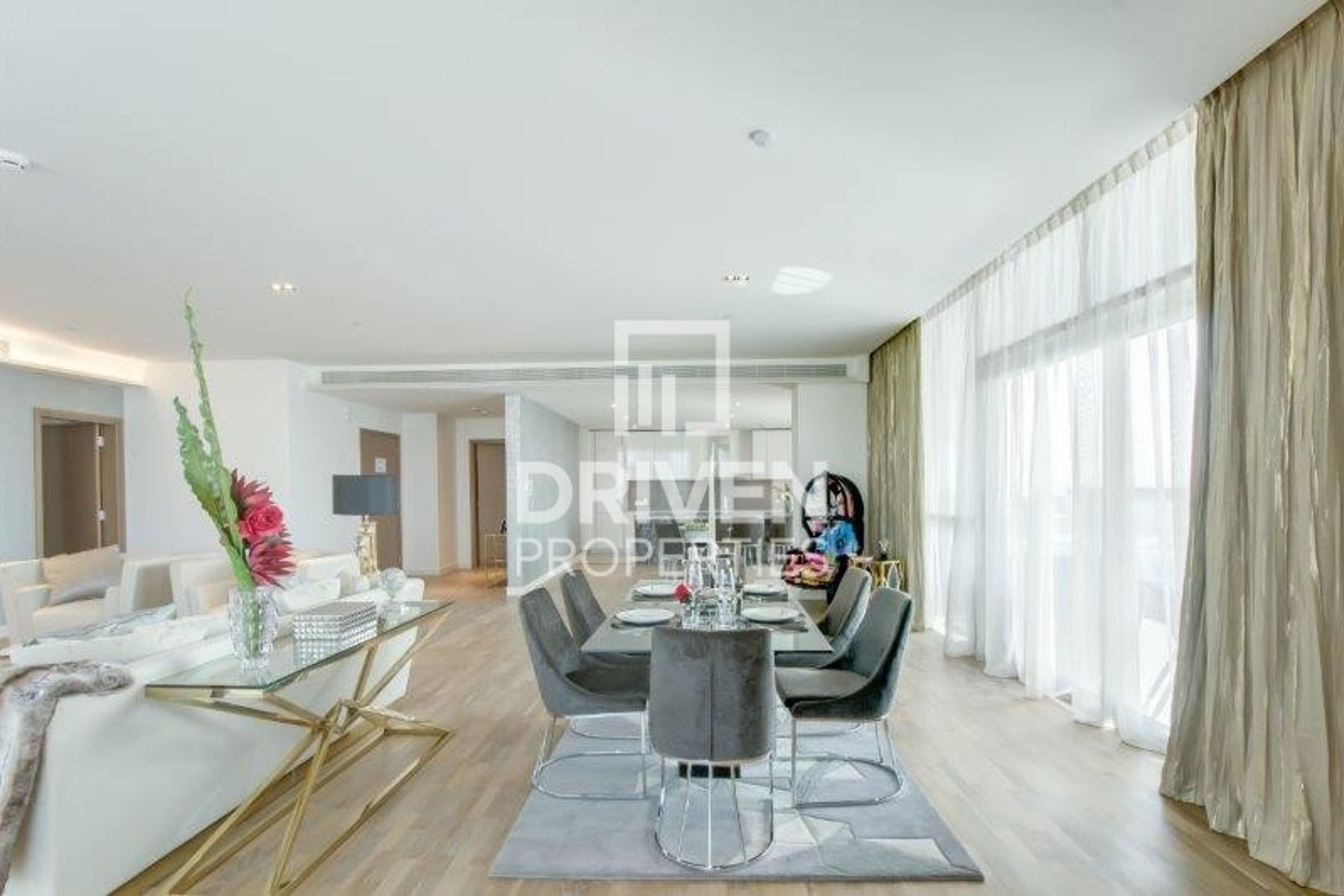 Simplex and Furnished w/ Boulevard Views
