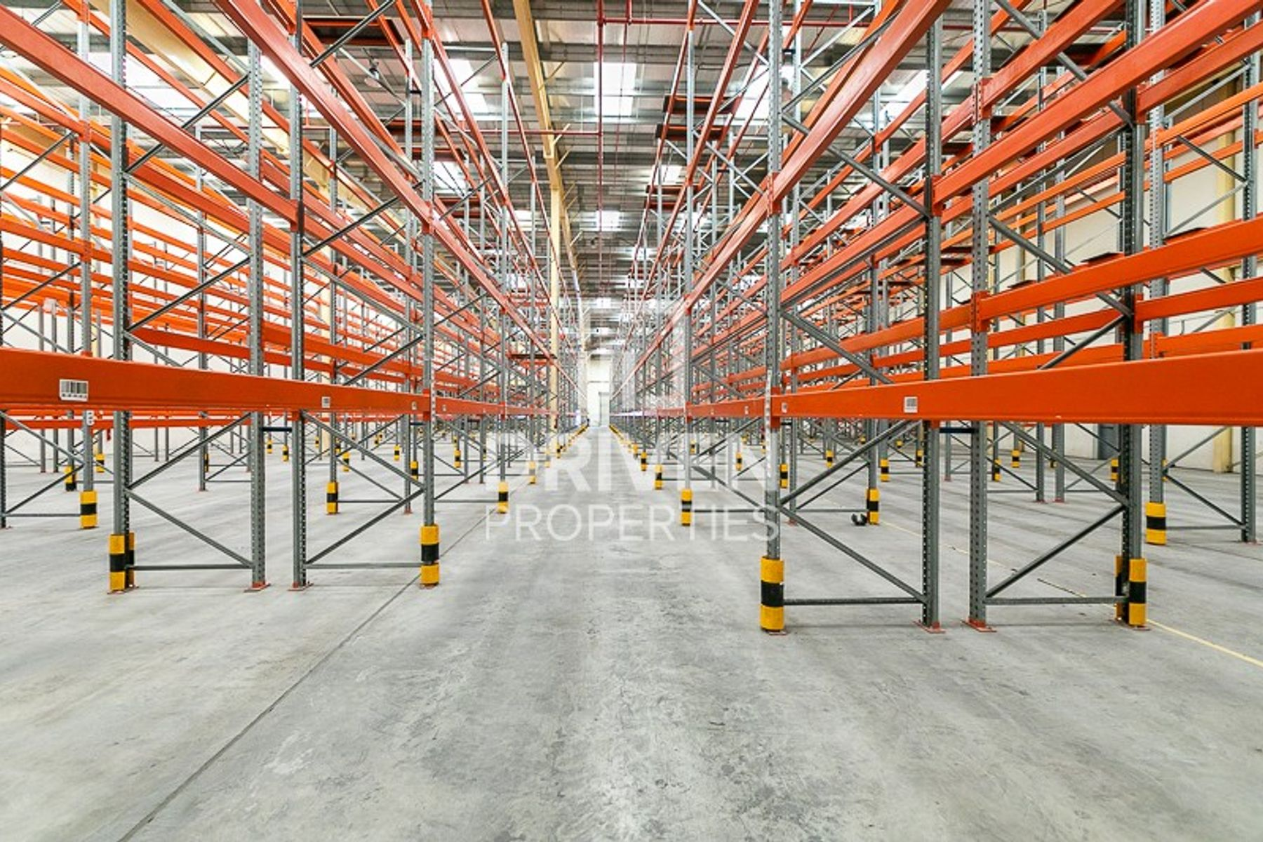 Fitted Space Warehouse with Loading Ramp