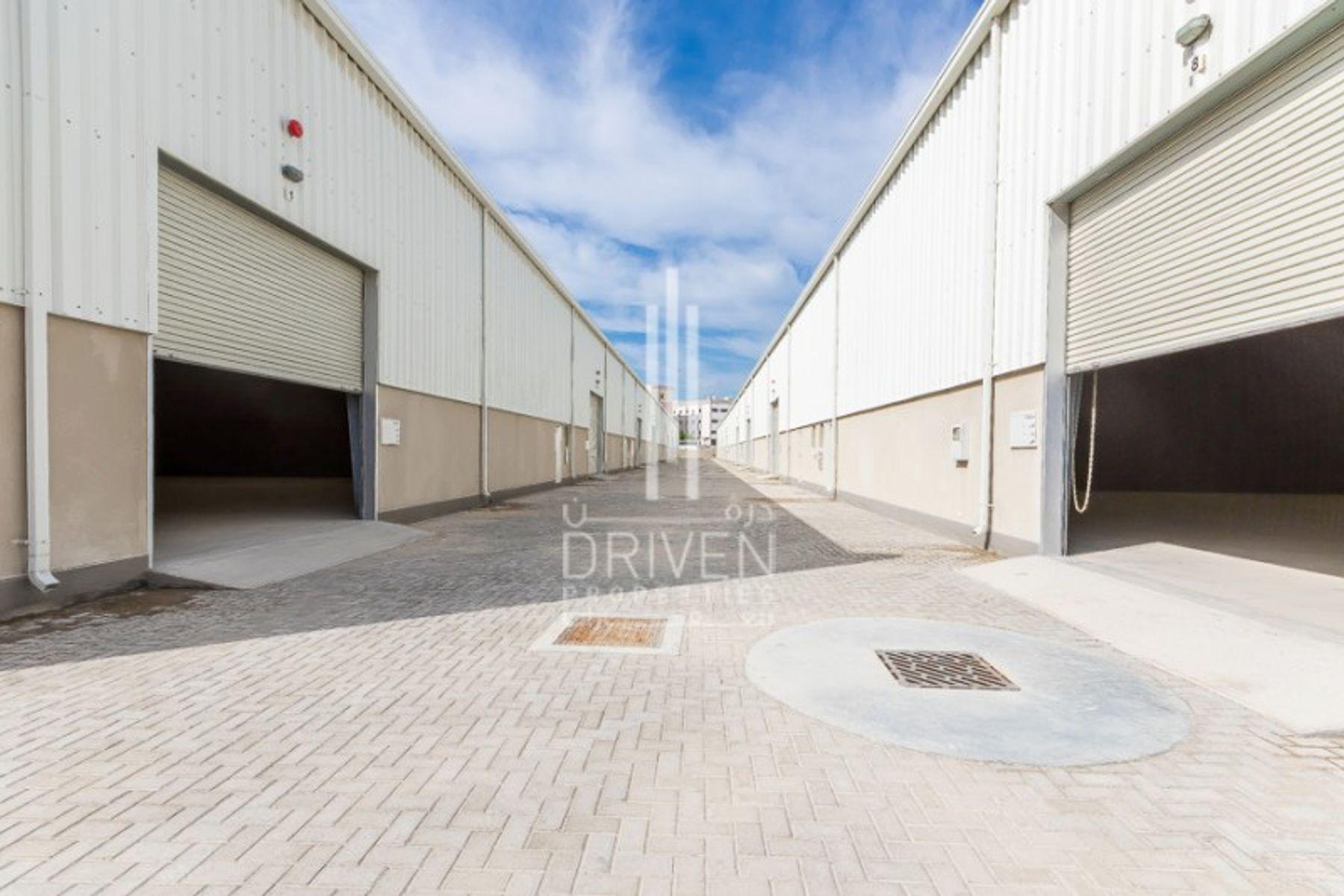 34,084 قدم مربع  مستودع - للايجار - مجمع دبي للإستثمار
