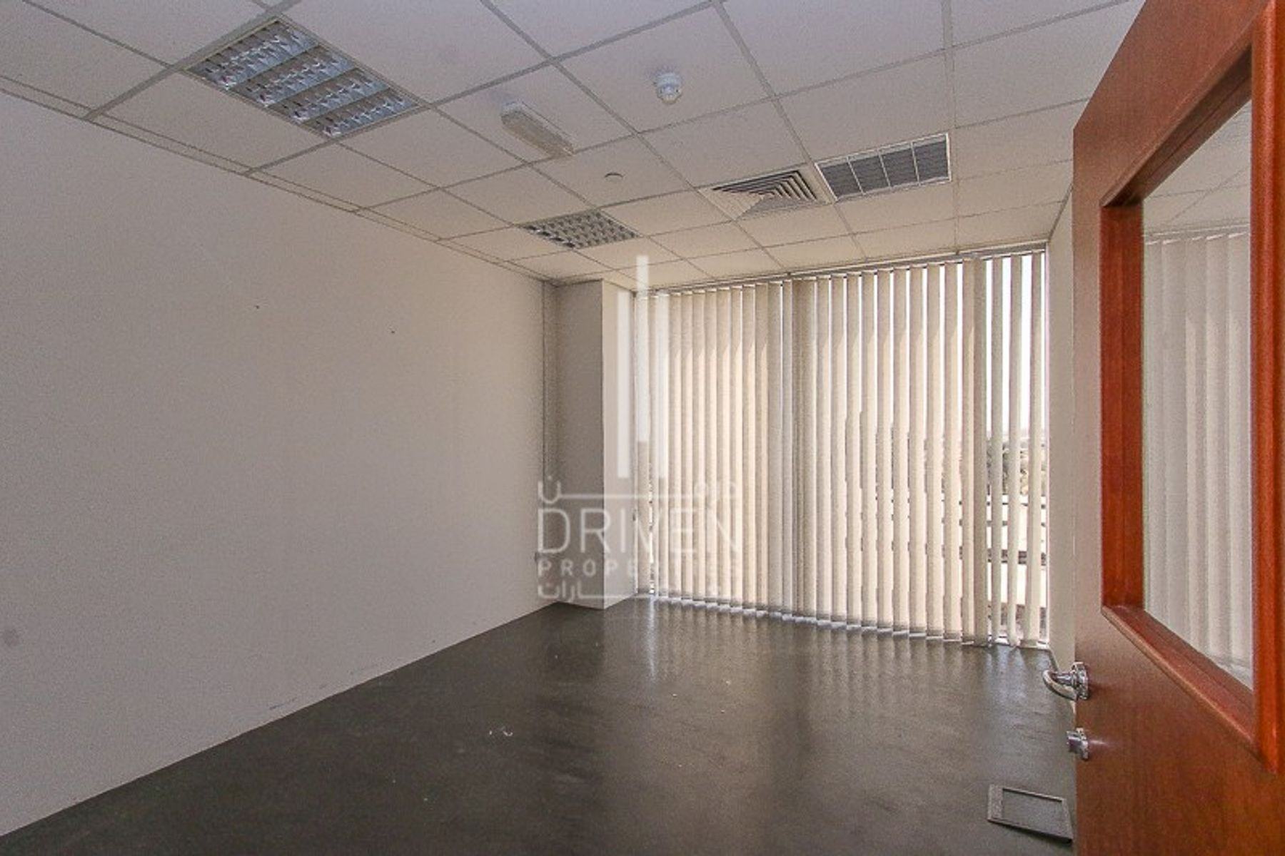 Affordable Price Big Semi-Fitted Office.