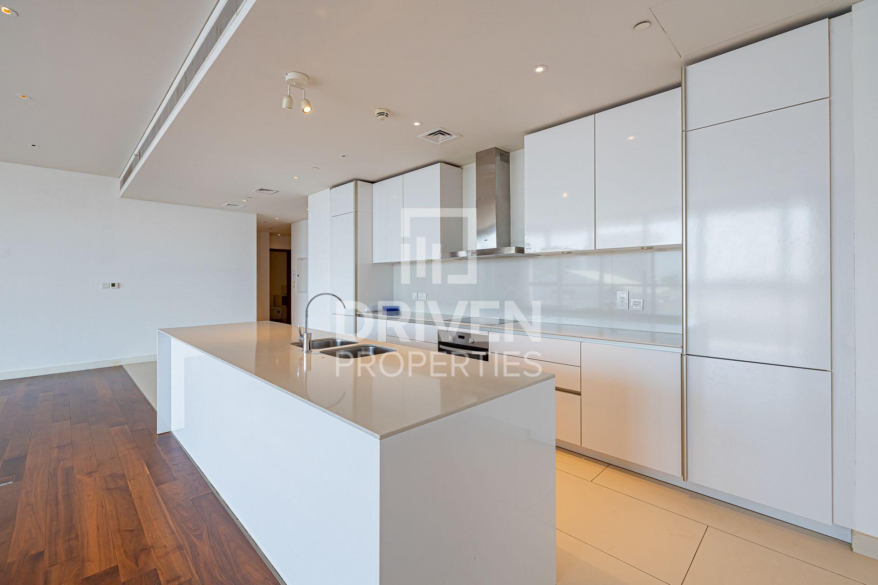 Fully Furnished| Huge Balcony| Cozy Set Up