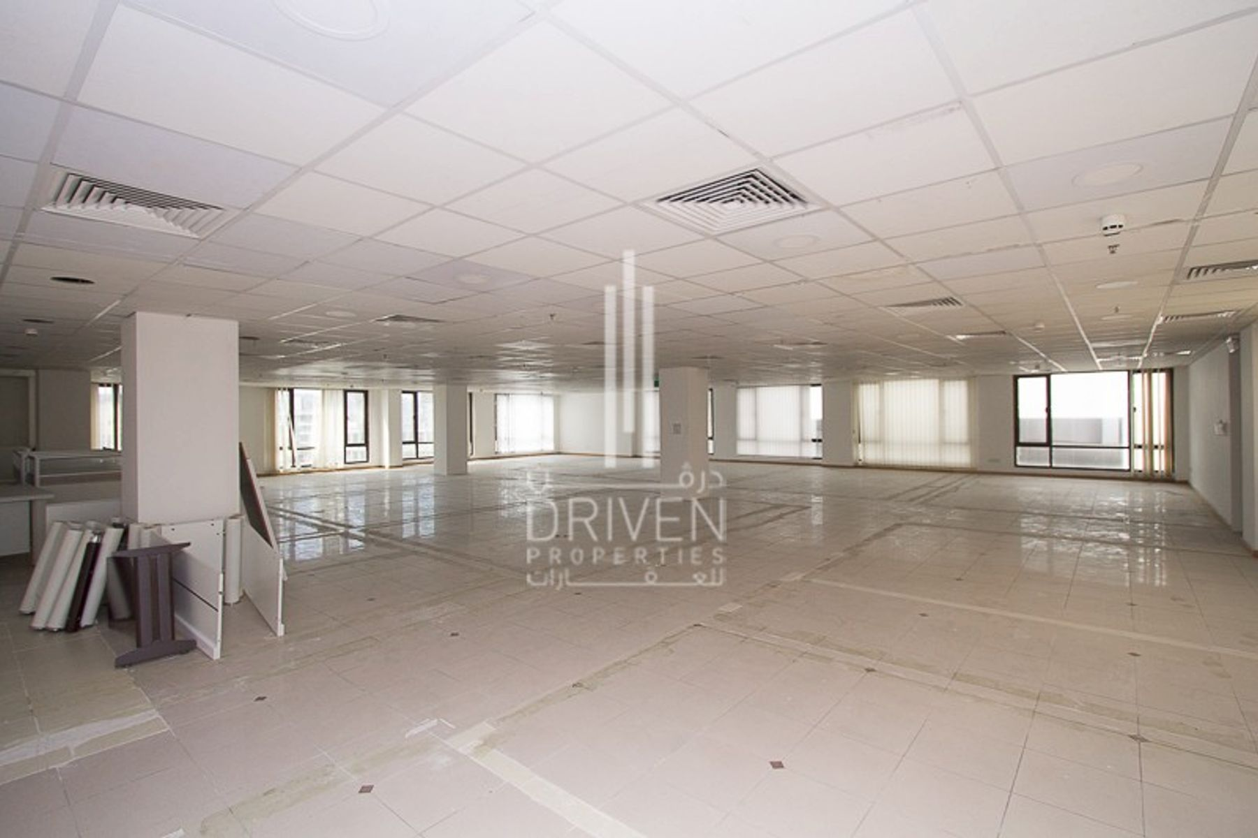 Huge Fitted Office Space l Crowded Area.