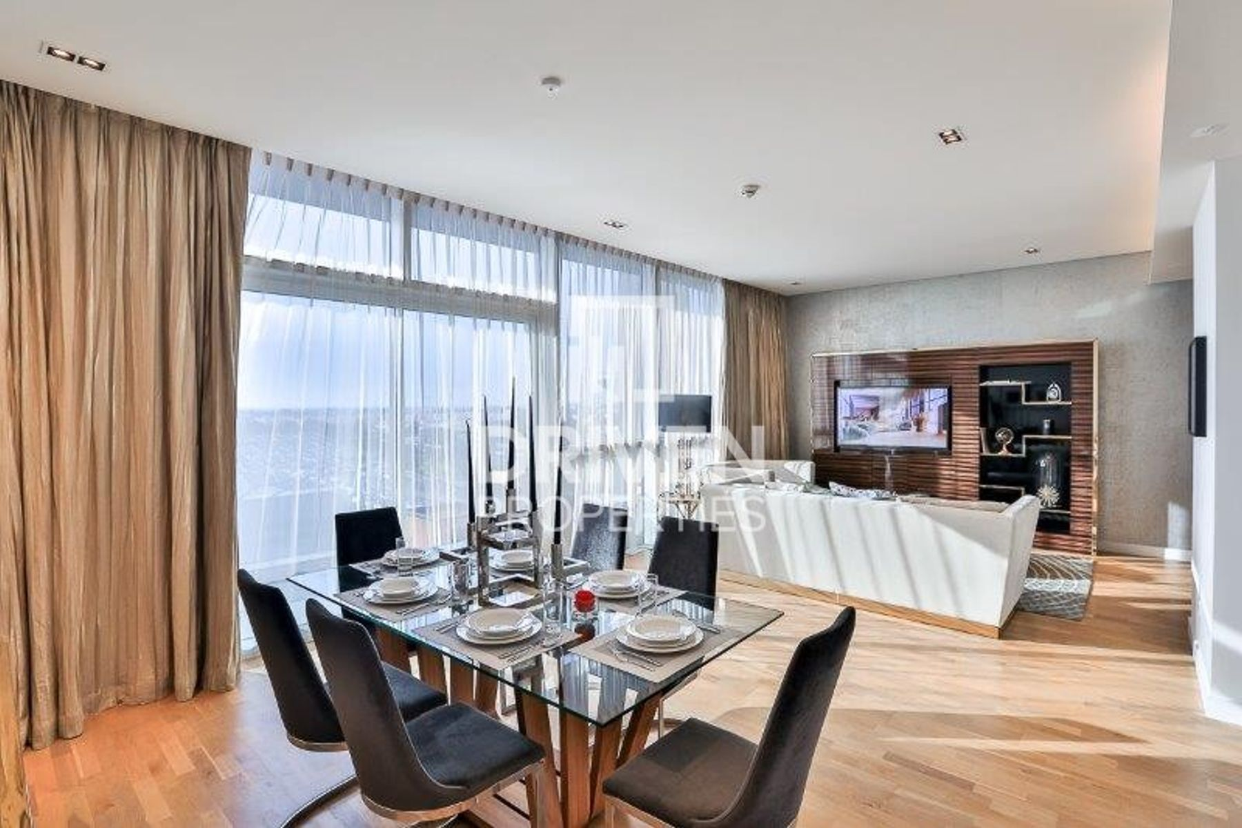 Luxury 2 Bed Apartment | Boulevard Views