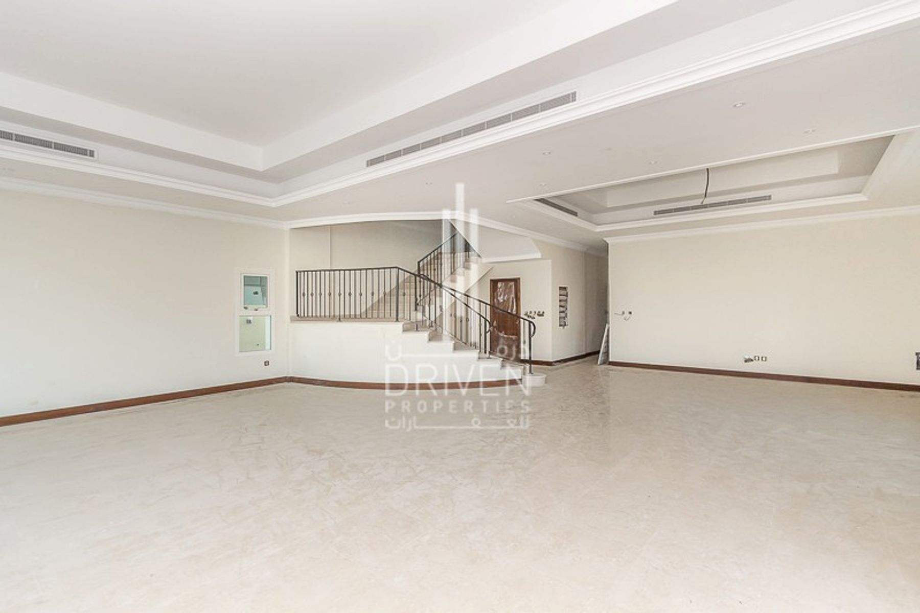 Commercial Villa for Rent in Jumeirah 1 Villas - Jumeirah