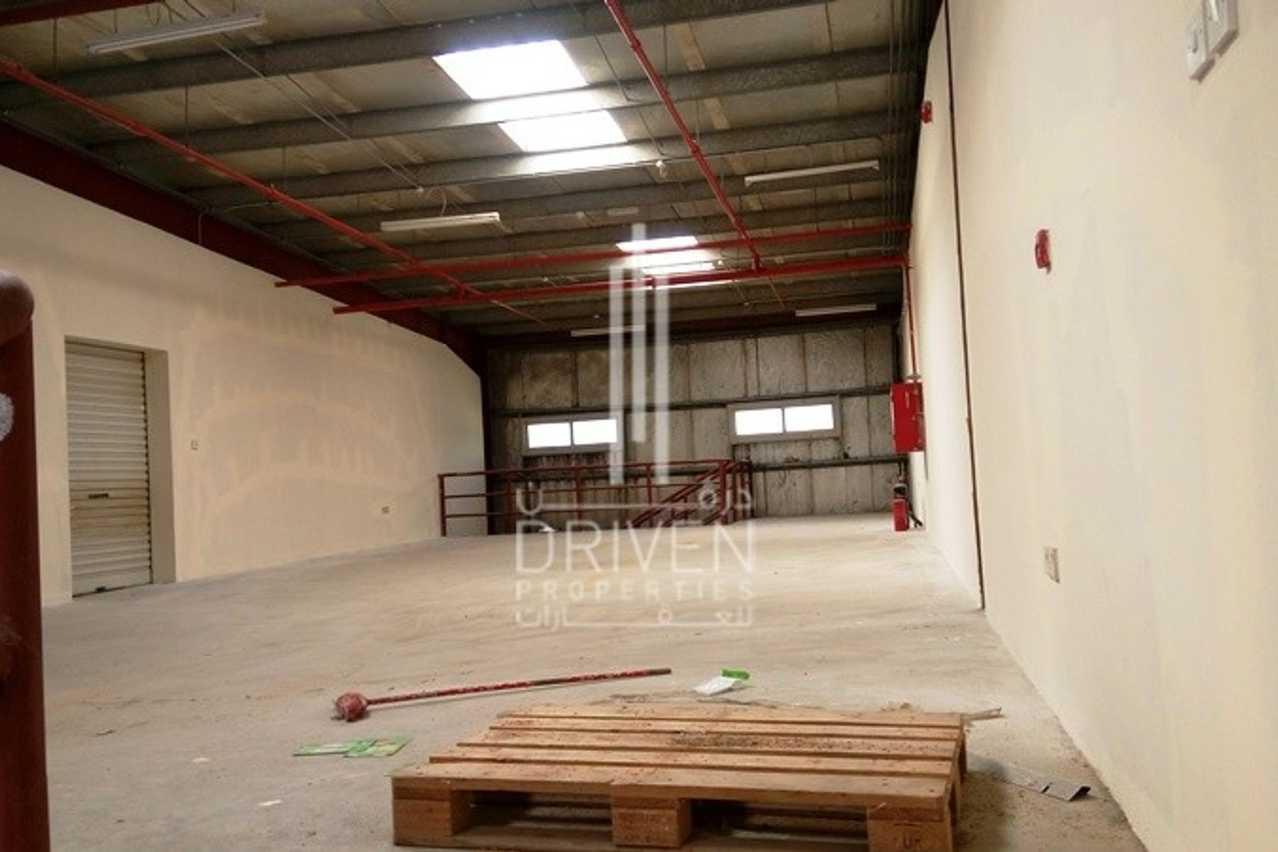 Vacant Storage Purpose Fitted Warehouse