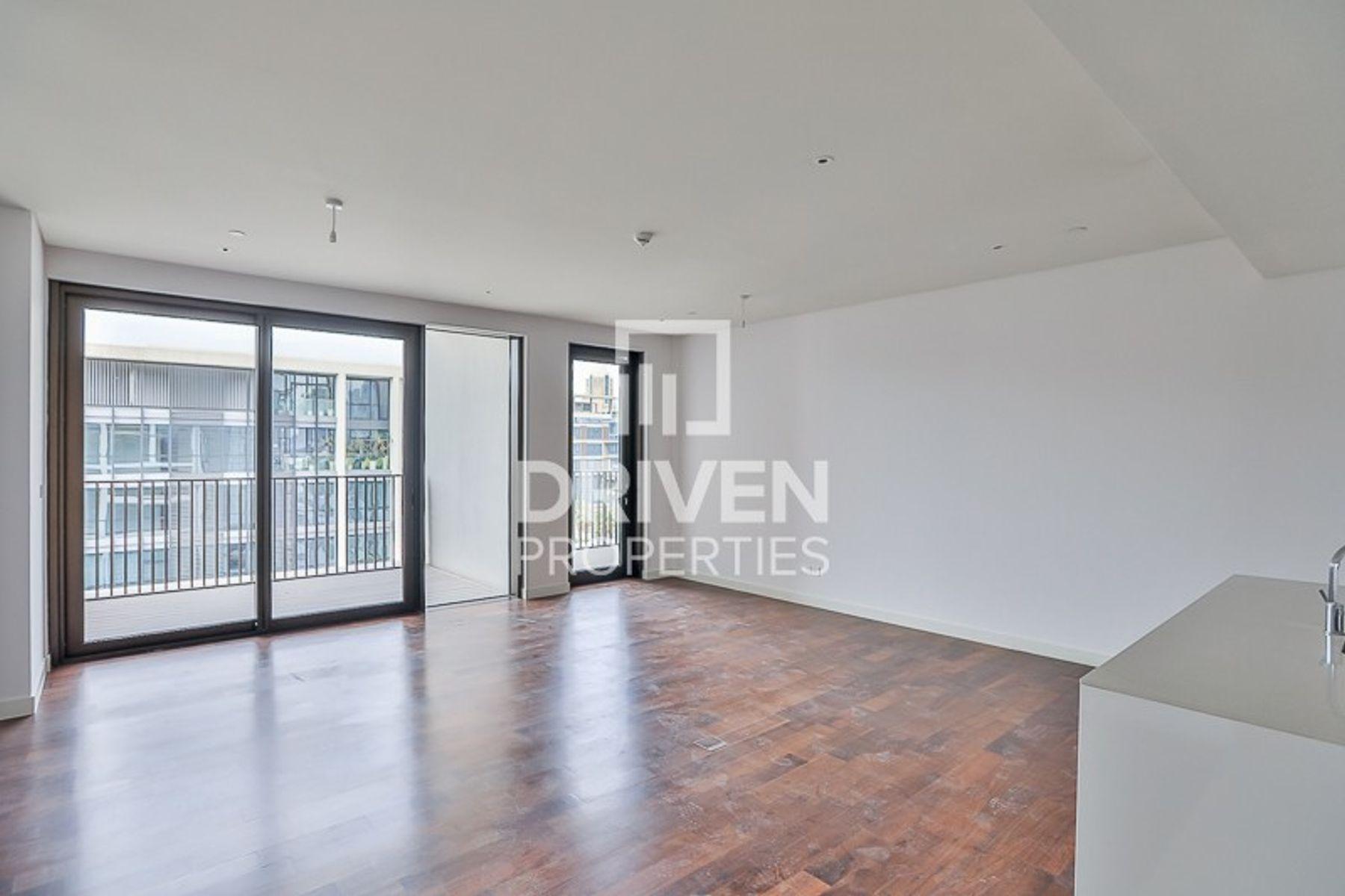 1,960 قدم مربع  شقة - للبيع - سيتي ووك