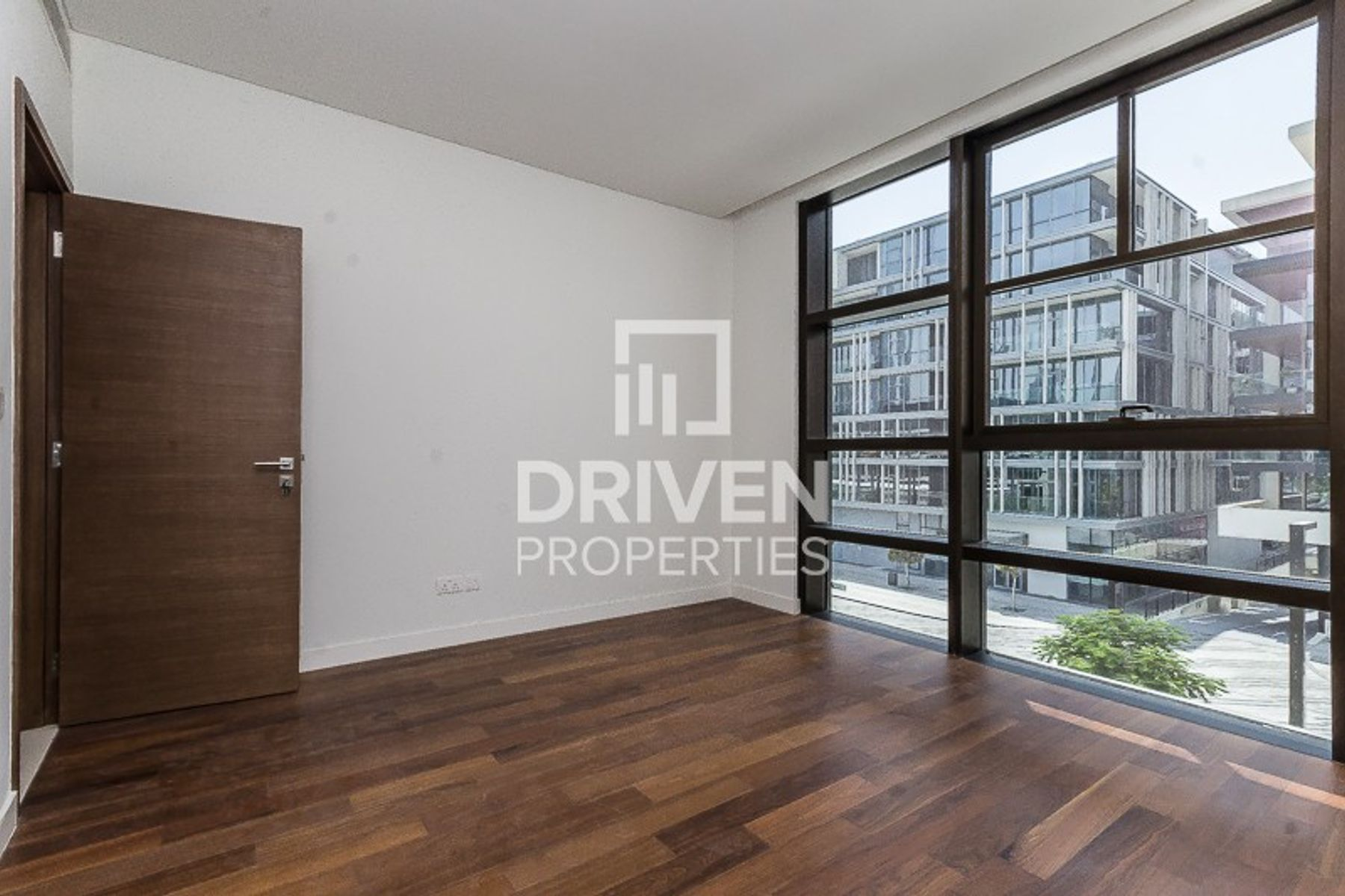 Spacious 3 Bed Apartment in a Prime Location