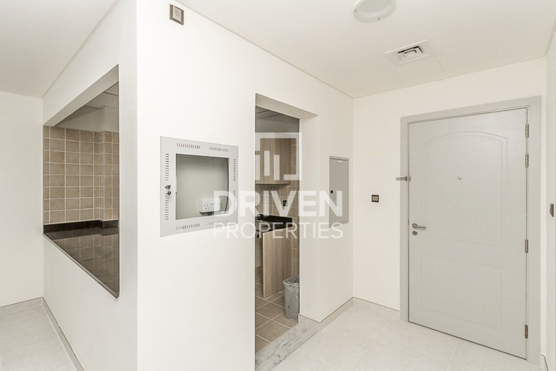 Bright 1 Bedroom Unit | Ready to move-in