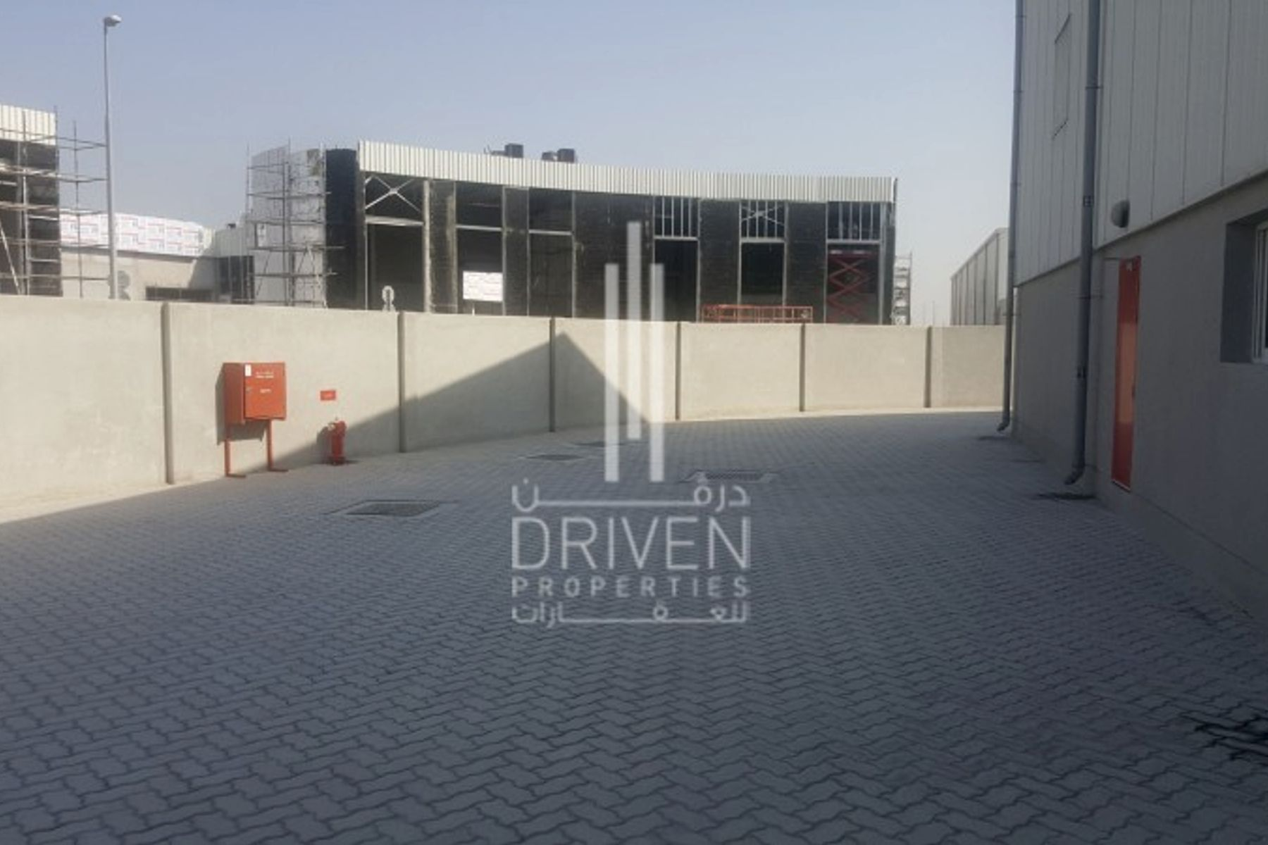 Warehouse in Al Quoz 2 l 328 KW Capacity