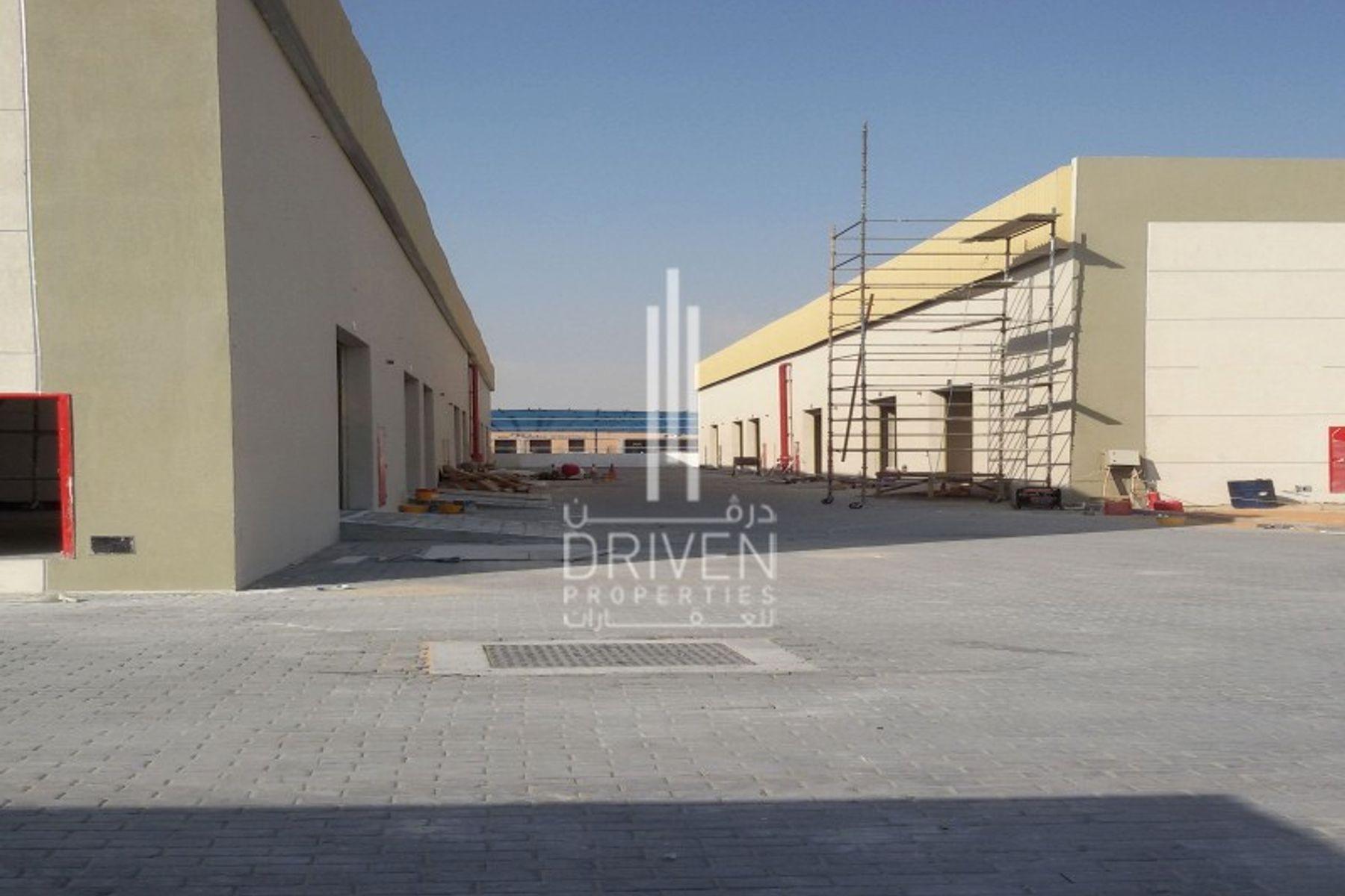 4,876 قدم مربع  مستودع - للايجار - مجمع دبي للإستثمار