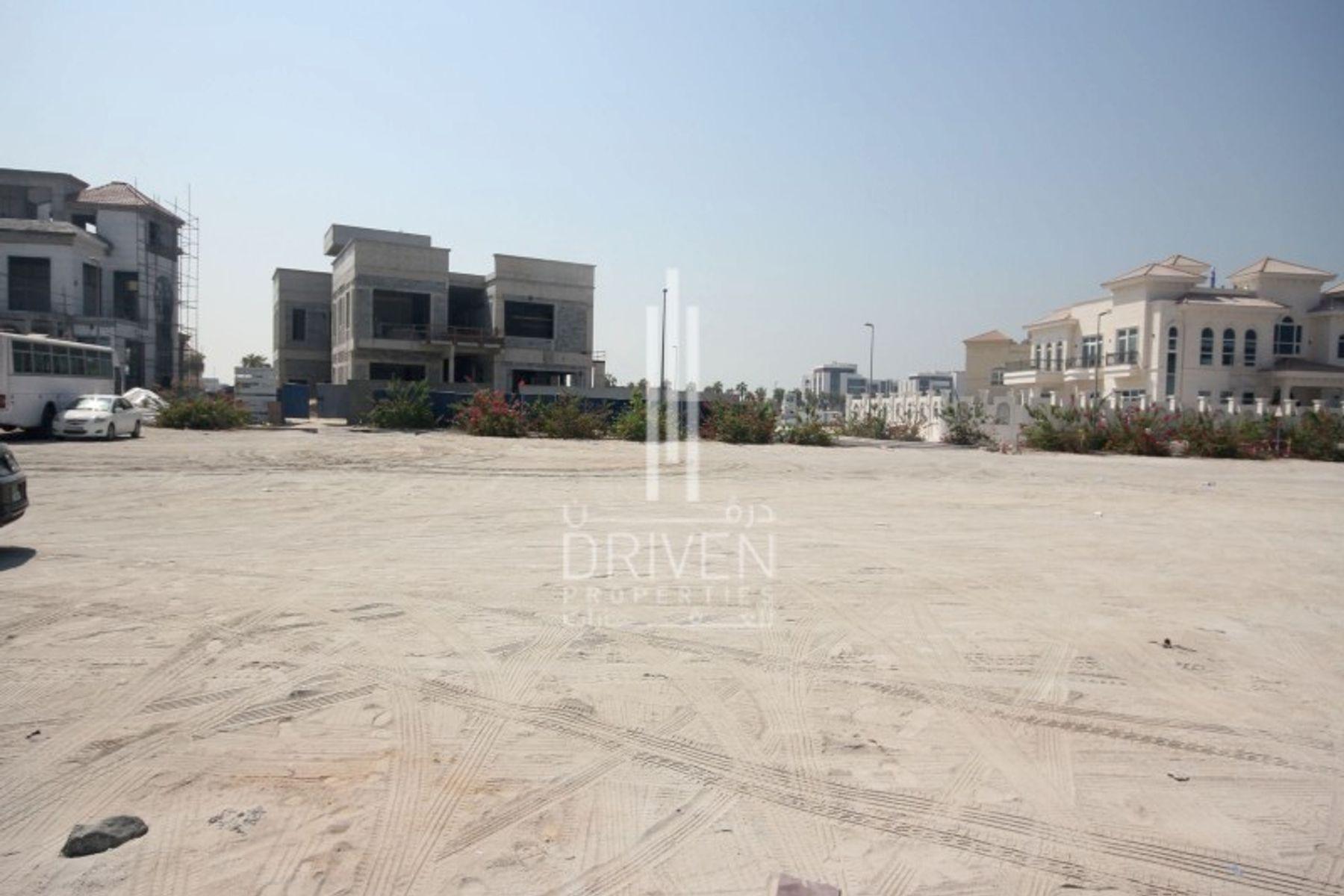 11,204 قدم مربع  أرض سكنية - للبيع - الجميرا