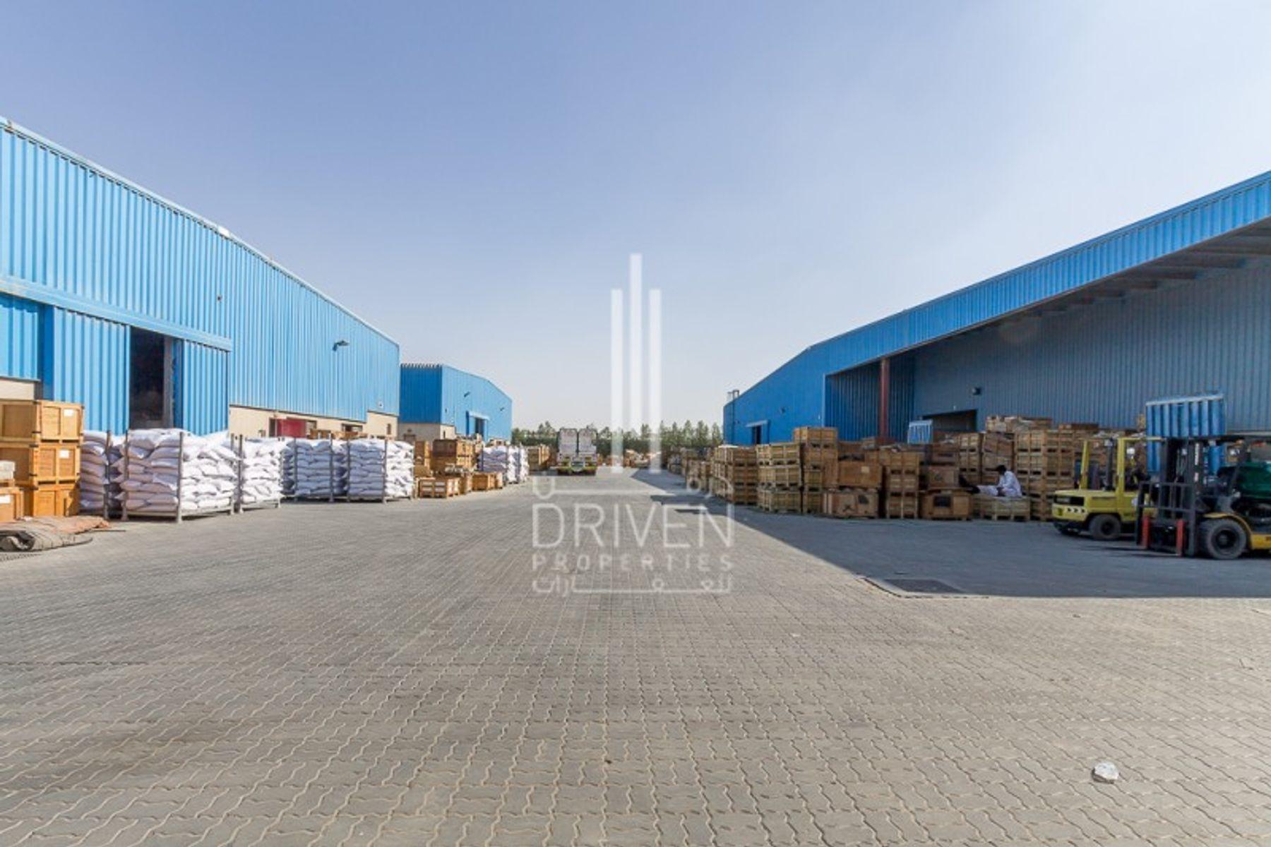 Huge Warehouse l Al Quoz Industrial Area