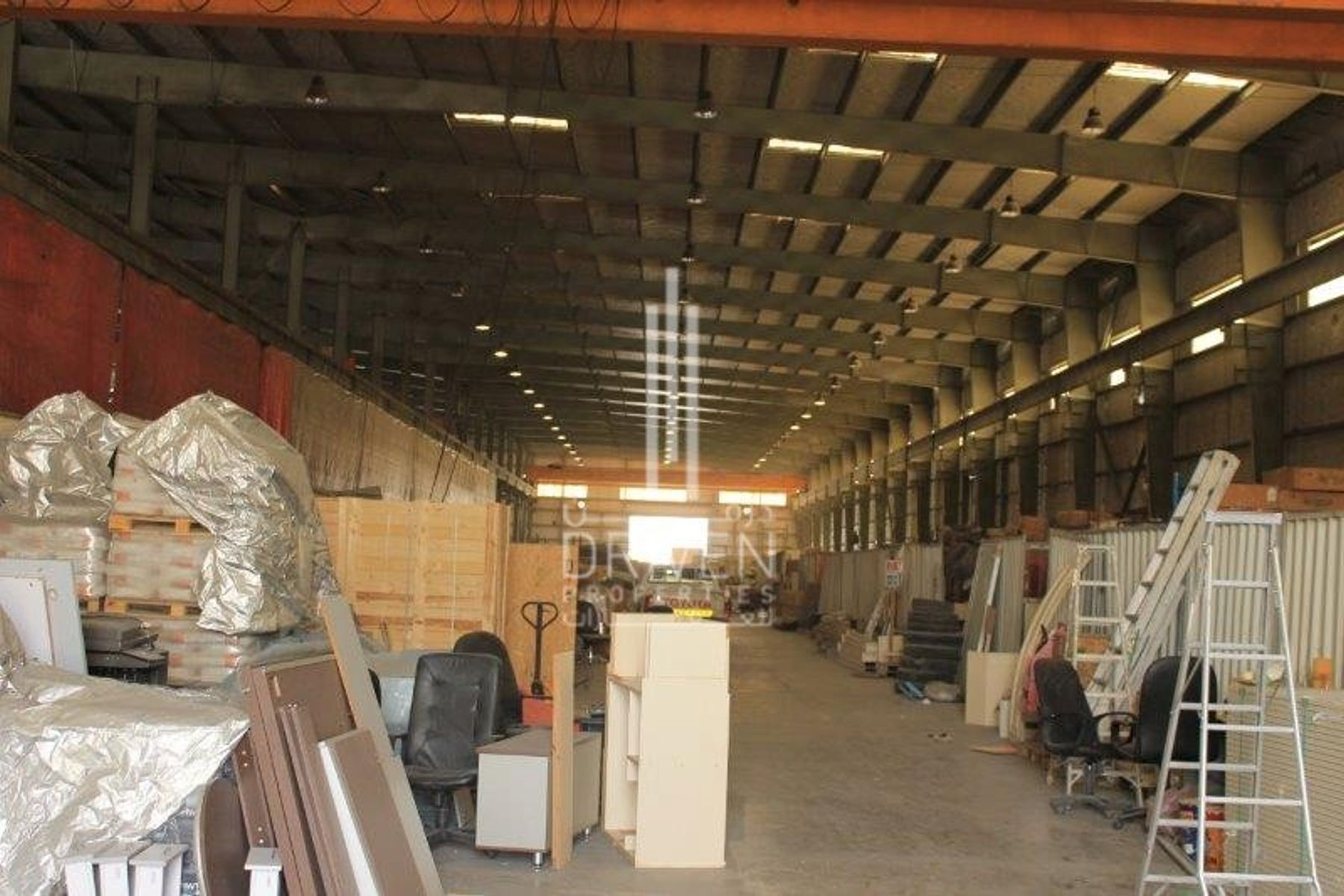 Well-maintain Industrial Warehouse   DIP