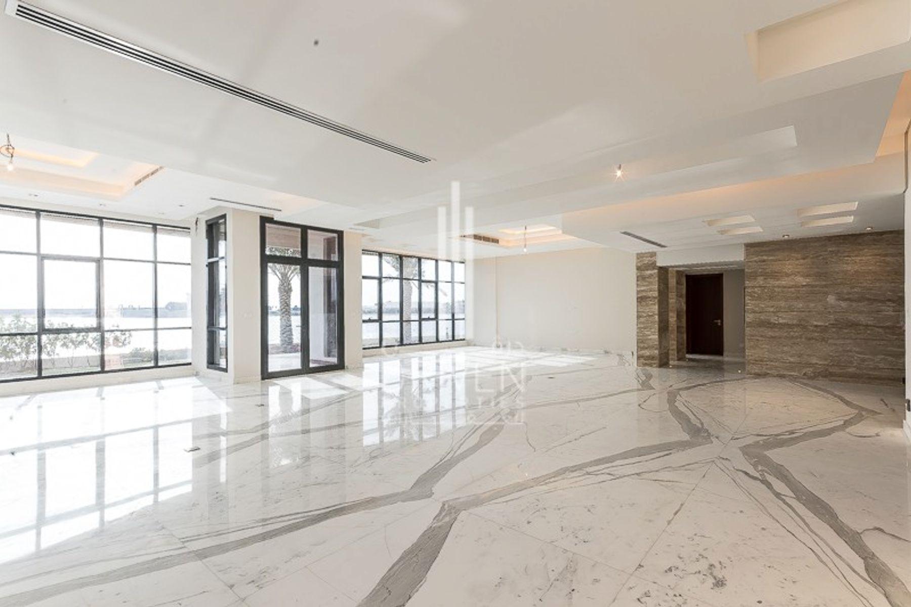 Villa for Sale in Signature Villas Frond I - Palm Jumeirah