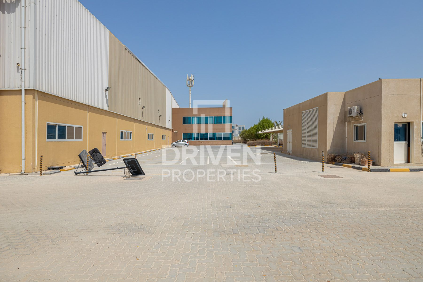 Fitted Space Warehouse in JAFZA for Rent