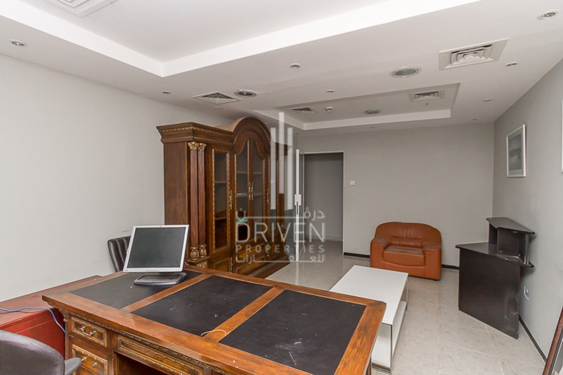 للايجار - مكتب - برج التجارة العالمي- البرج التجاري - شارع الشيخ زايد