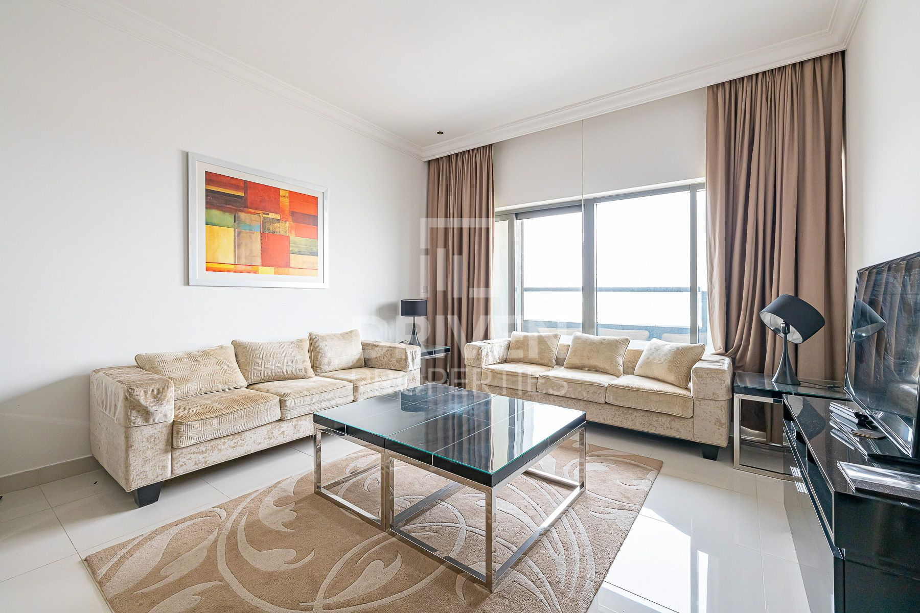 Well-managed and Furnished on High Floor