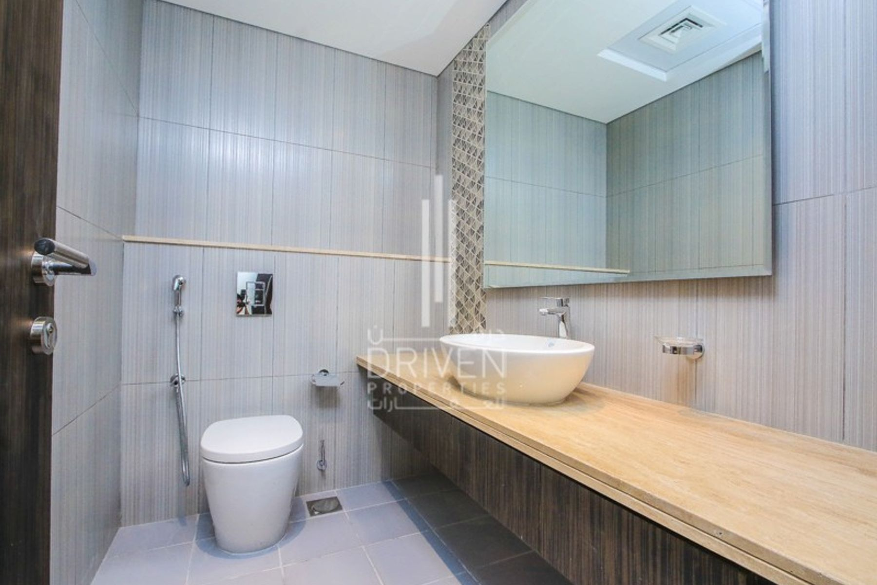 للبيع - شقة - 1 جولف فيستا - داماك هيلز (أكويا باي داماك)