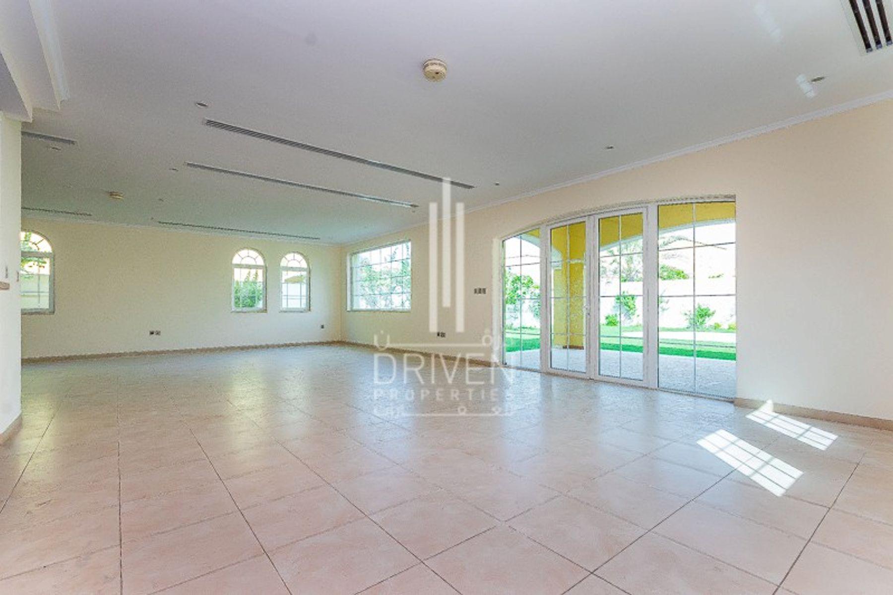 Villa for Sale in Legacy, Jumeirah Park