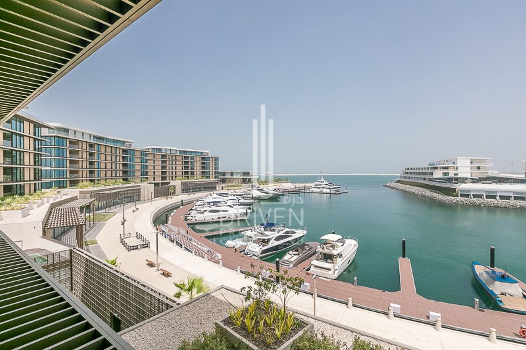 Spacious 4BR apt |Full marina and sea views