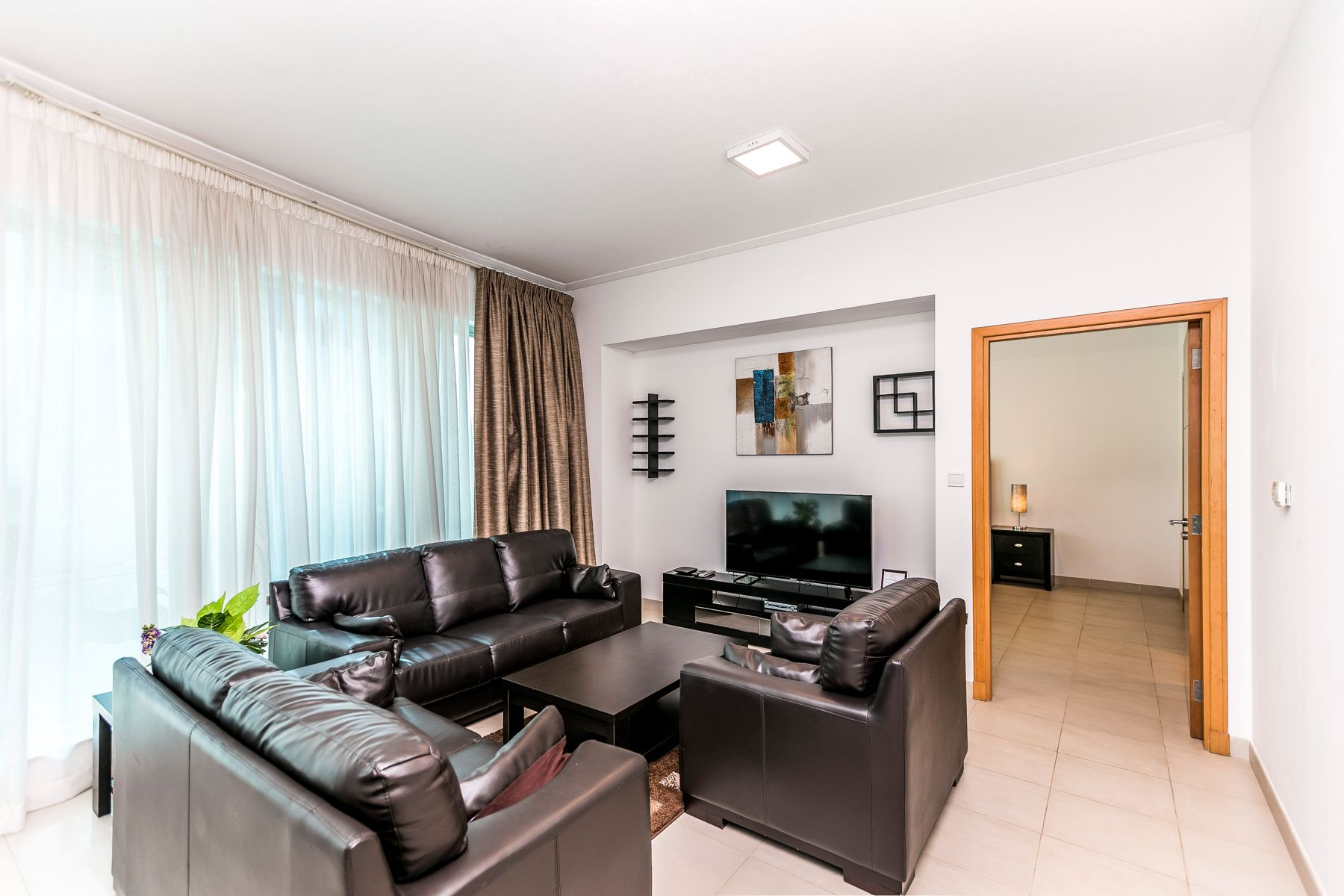 Spacious 1 Bed in Aurora Tower, Dubai Marina