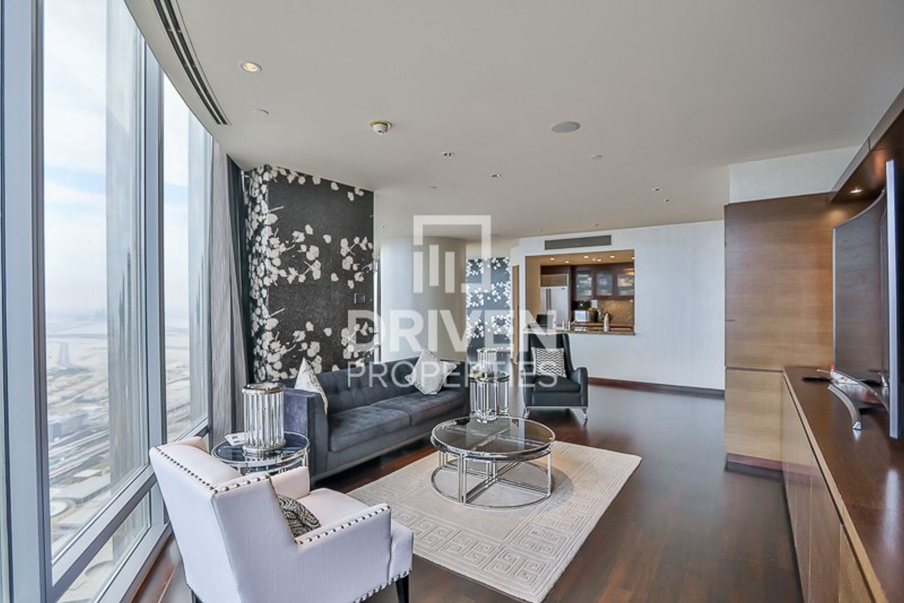 Stunning Huge 3 Bed Apt plus Maid's Room