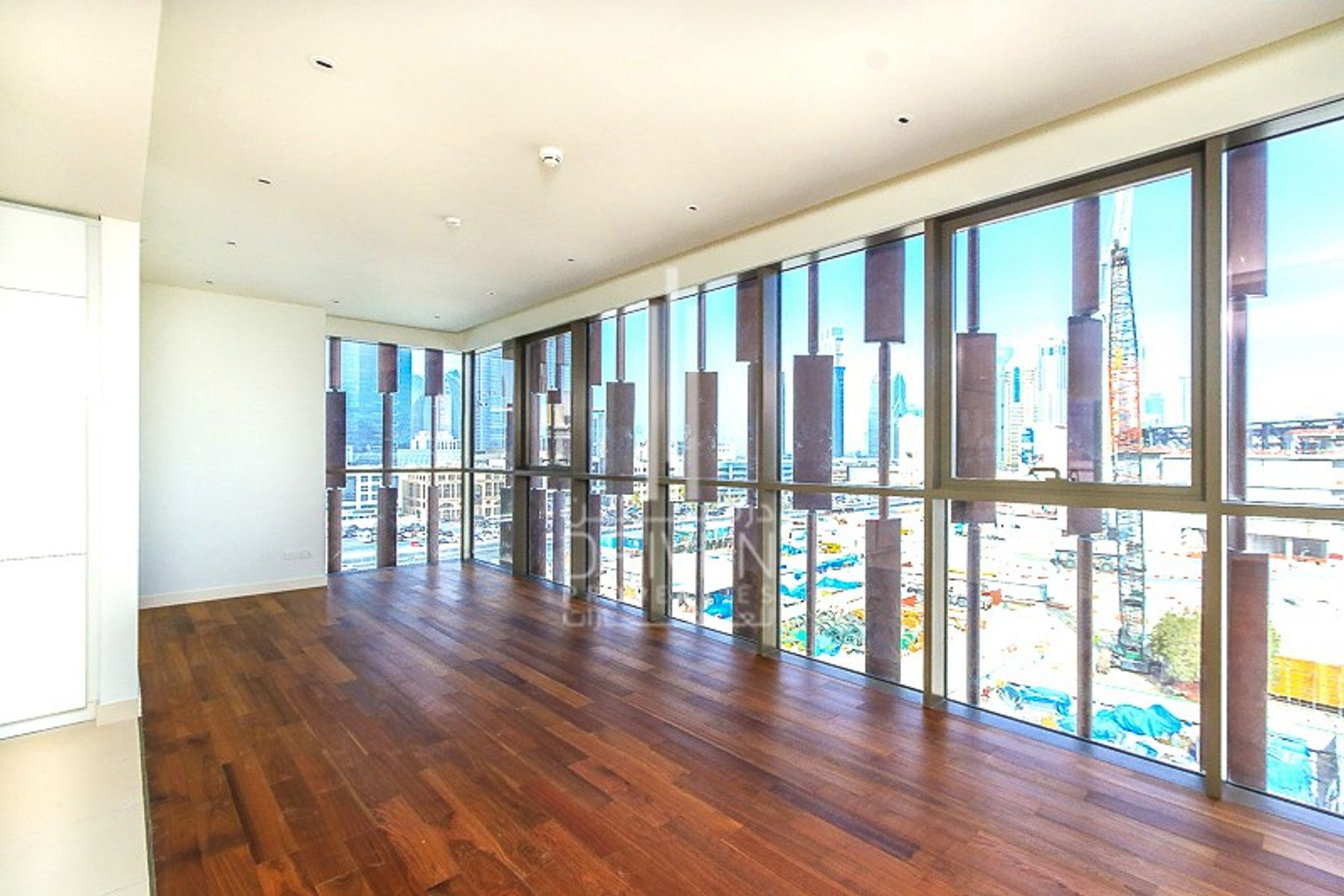 Luxurious Penthouse with Boulevard Views