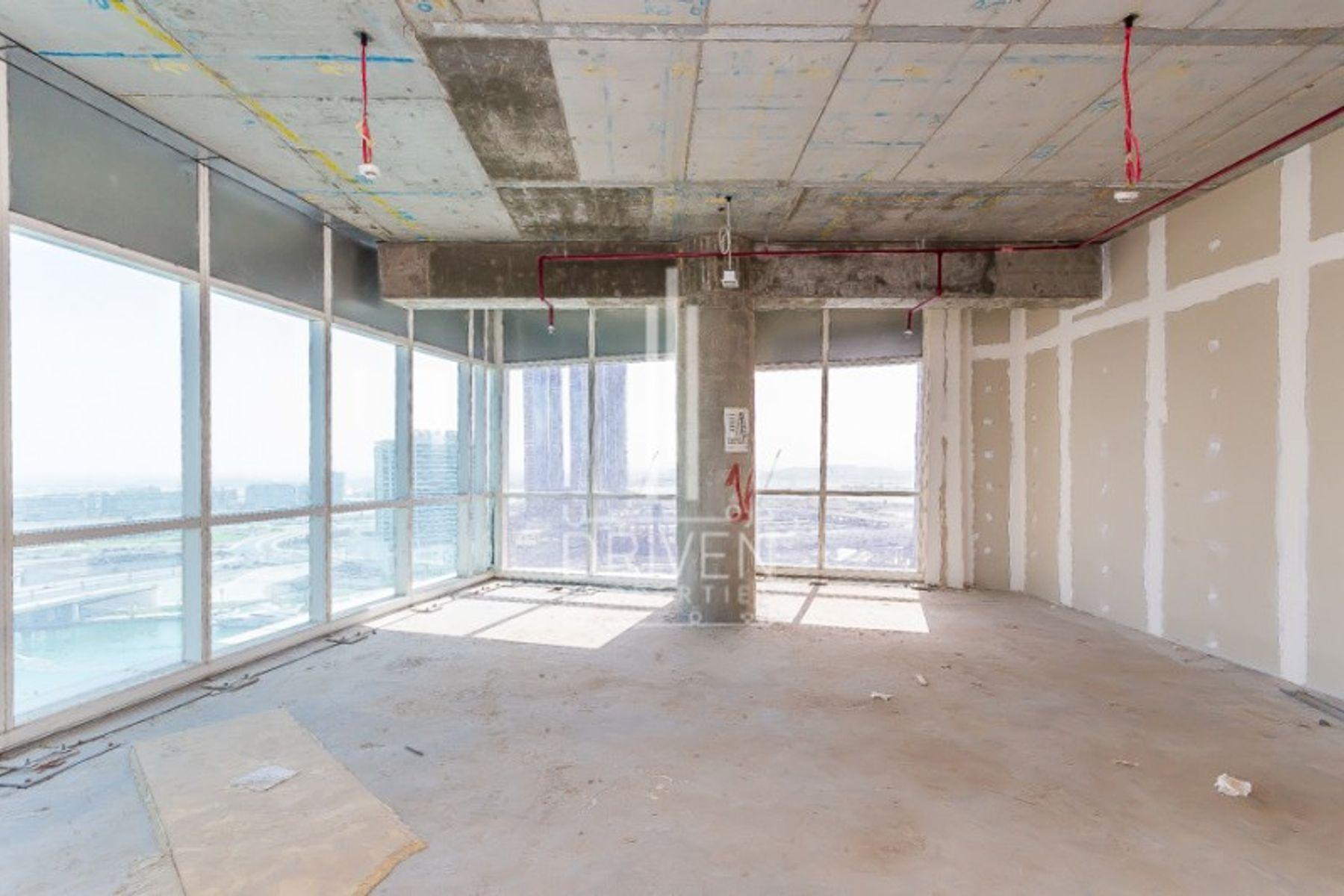 للبيع - مكتب - B2B  برج, الخليج التجاري