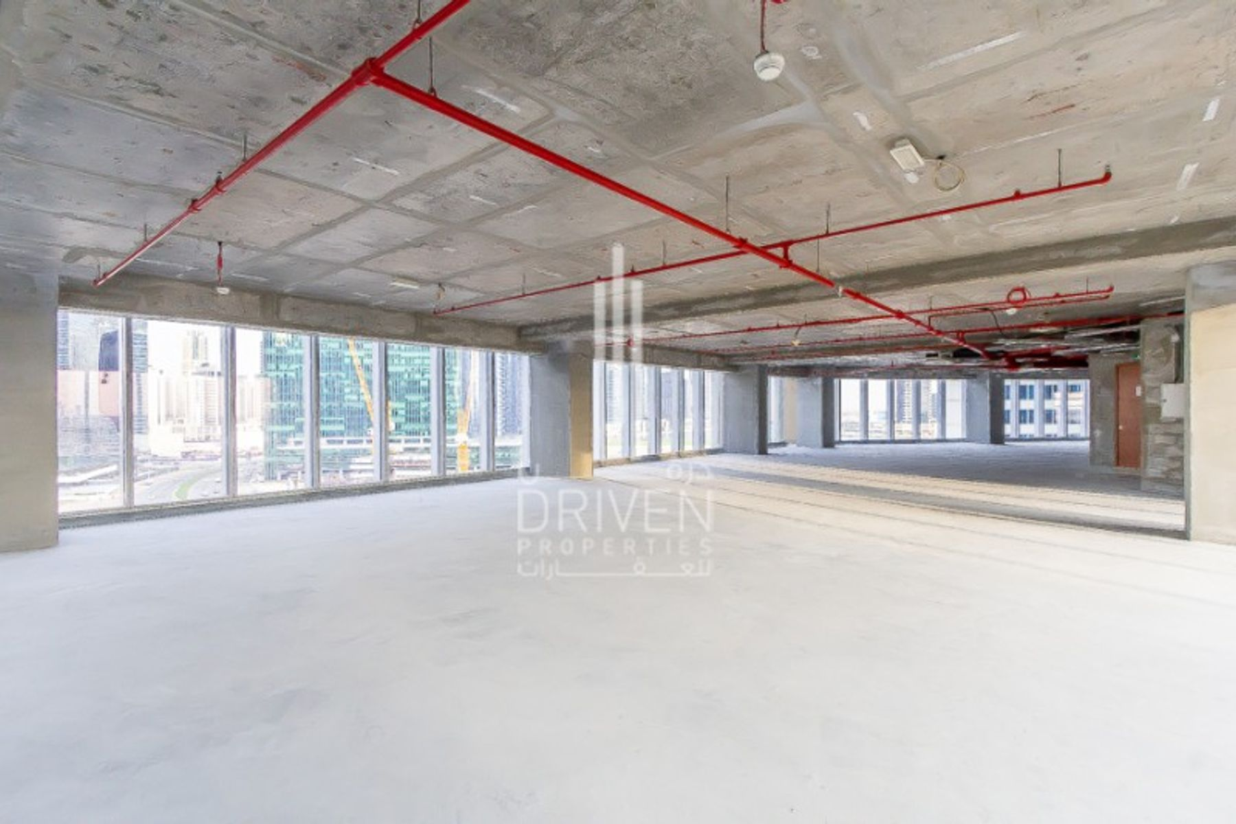 Spacious office space in The Oberoi Tower