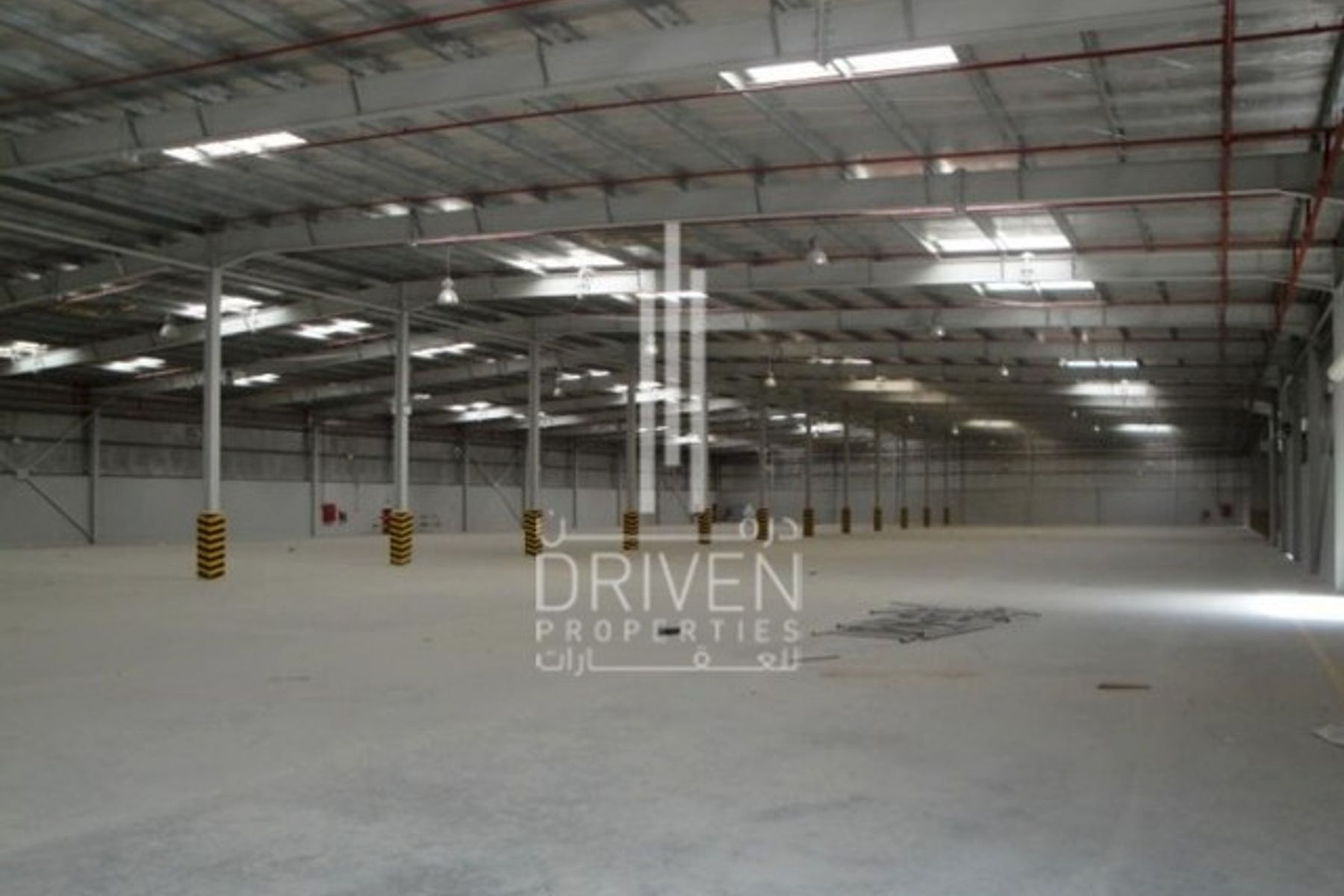 Well-kept Semi-fitted Warehouse for Sale