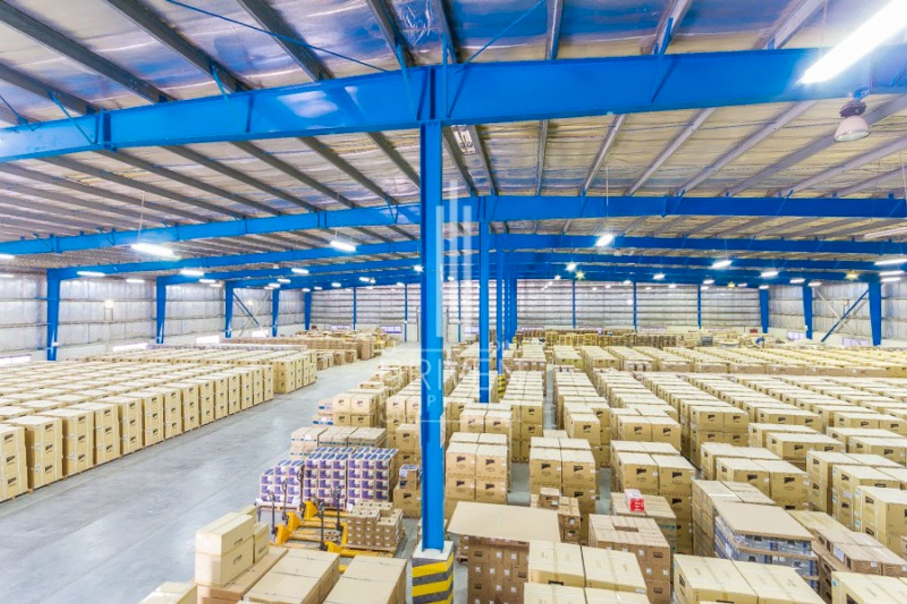 Spacious Furnished Semi-fitted Warehouse