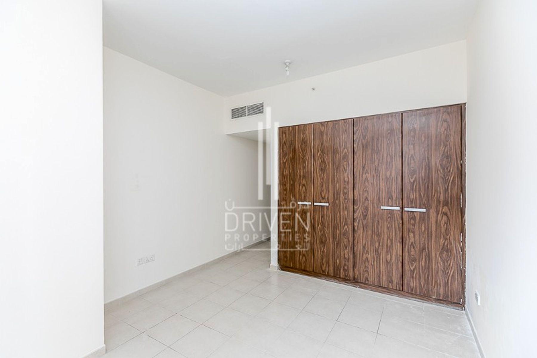 للبيع - شقة - E برج - الخليج التجاري