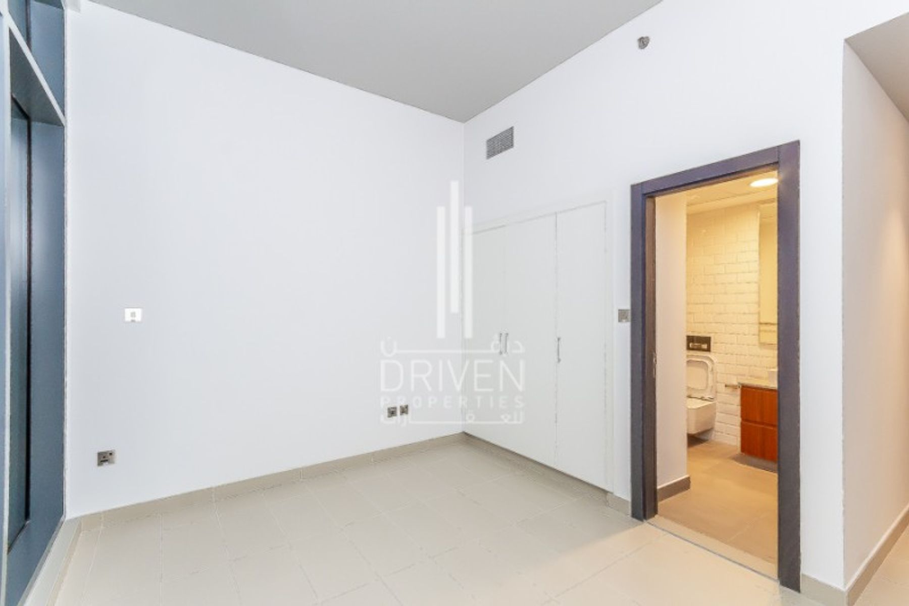 Apartment for Rent in Oia Residence, Motor City