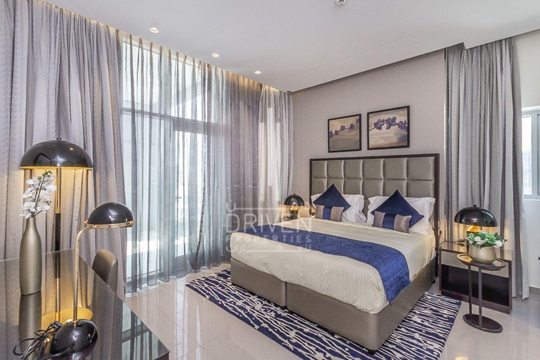 Furnished Luxury Upgraded Apt -Burj view