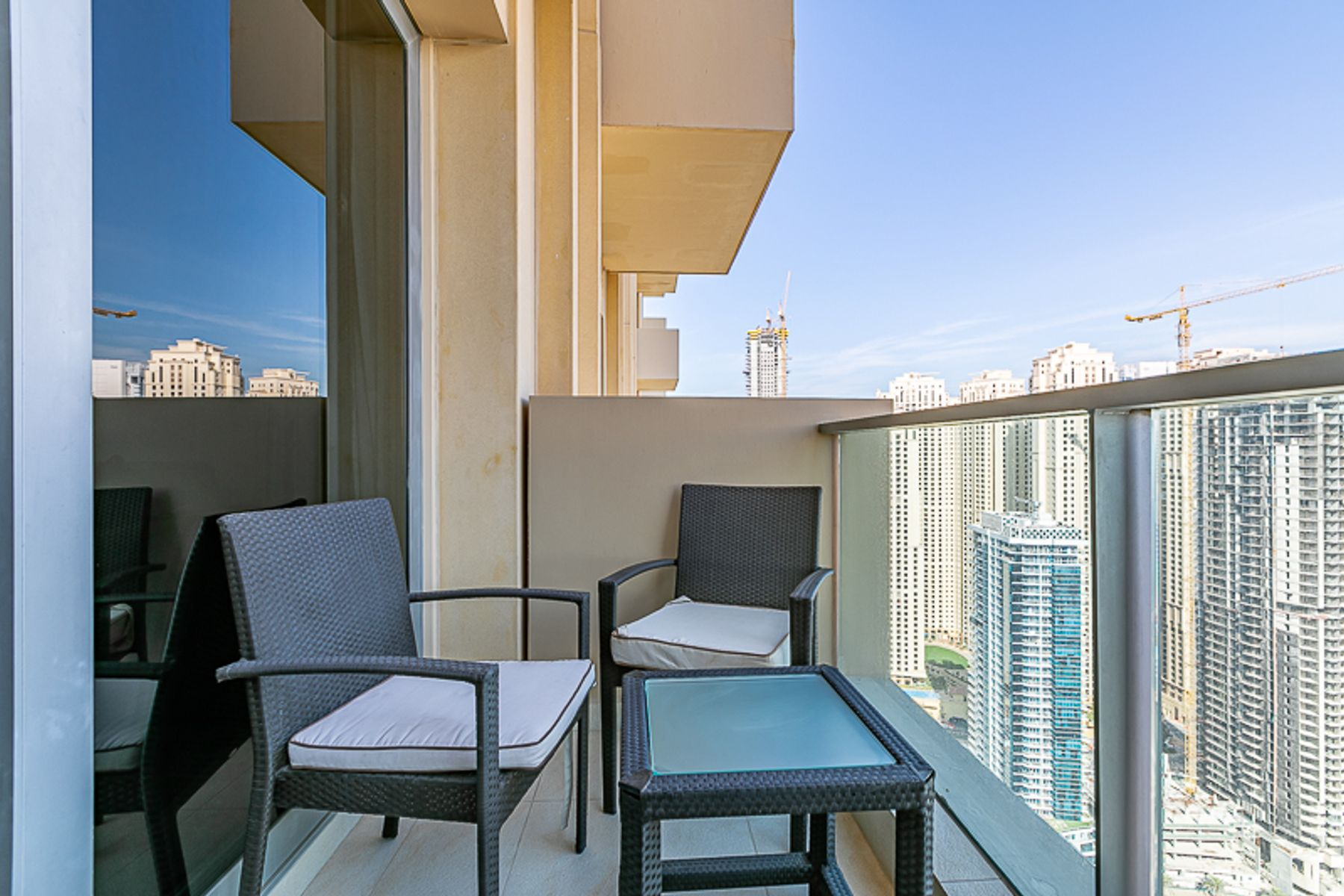 Middle Unit | High Floor w/ Marina Views