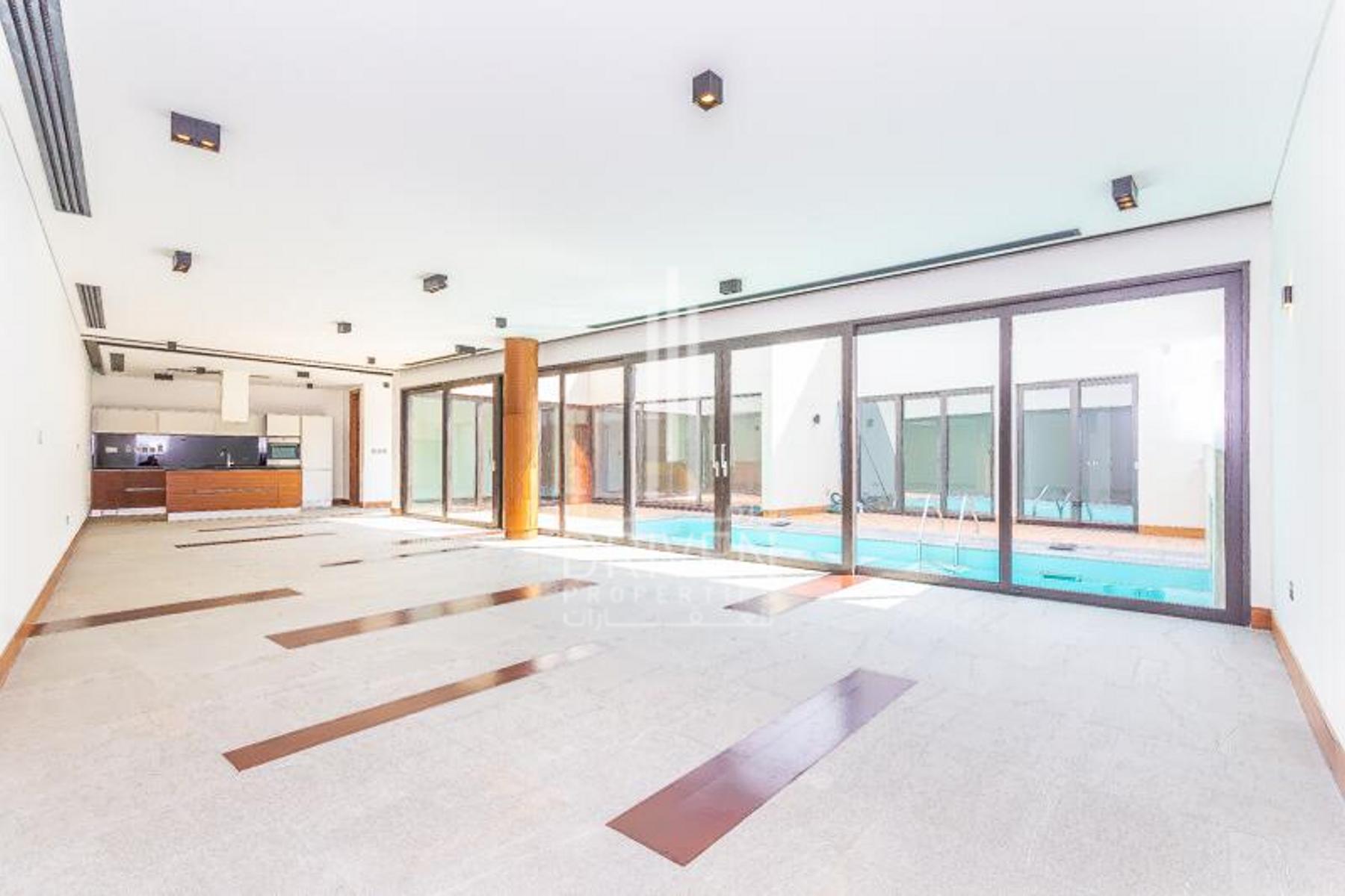 Luxurious 4 Bedroom Villa | Contemporary